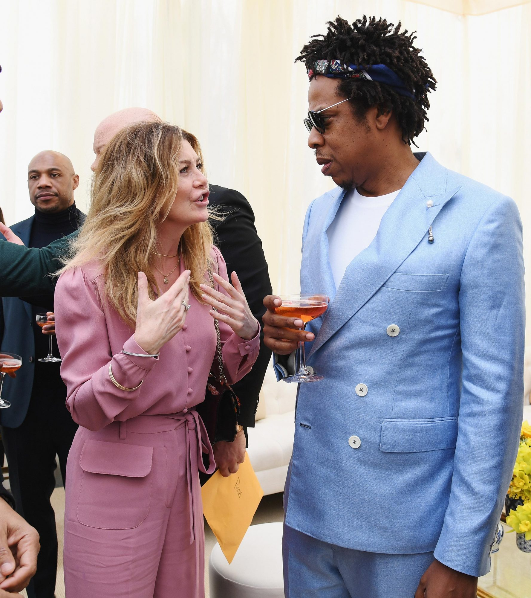 Grammys 2019 Ellen Pomeo Chats With Jay Z In Viral Photo People Com