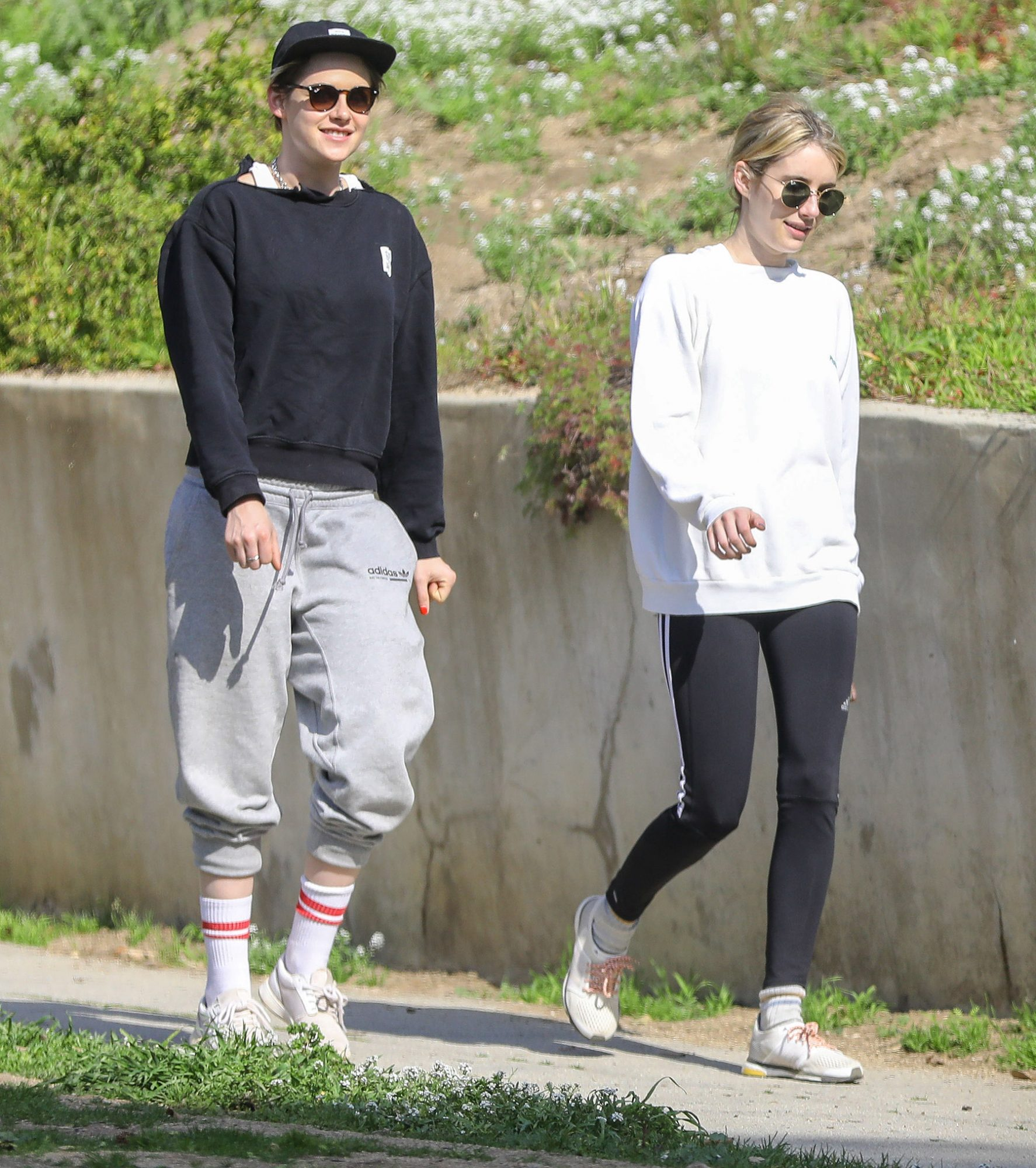 Kristen Stewart And Emma Roberts Have A Blast Going On Ladies-Only Hike In Griffith Park