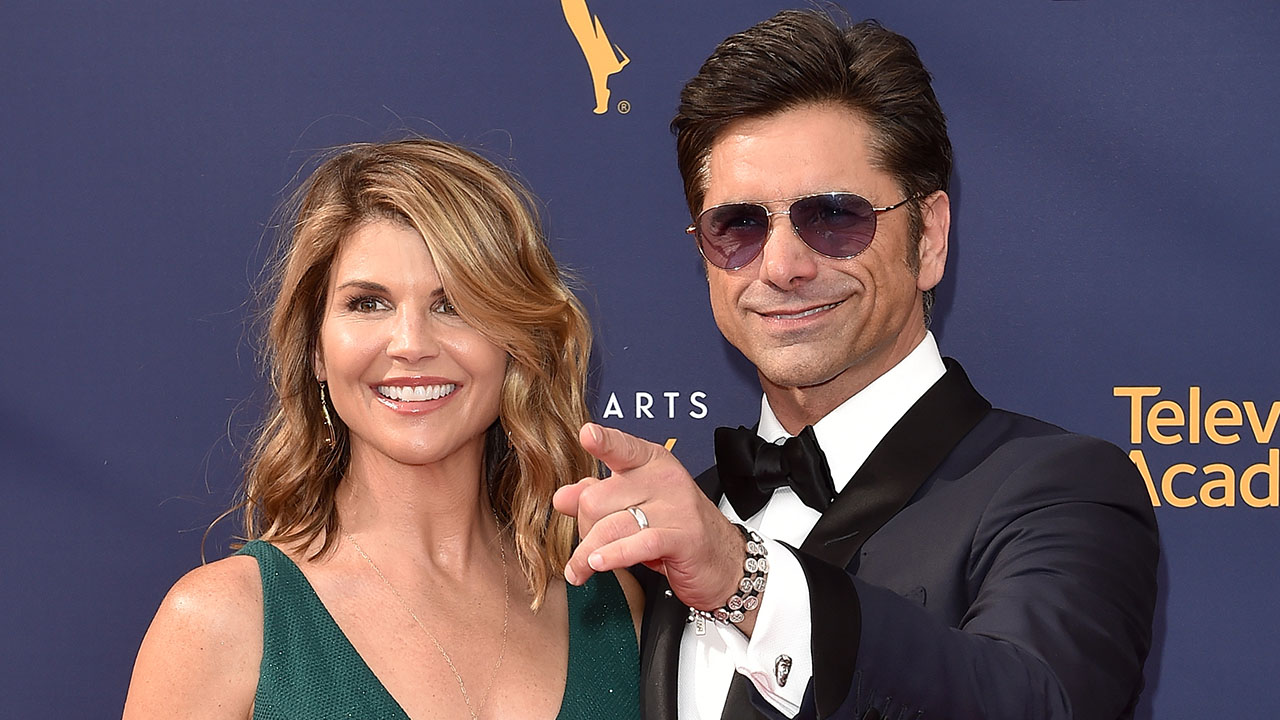 An Uncle Jesse and Aunt Becky 'Fuller House' Spin-Off? Lori Loughlin Is on Board!