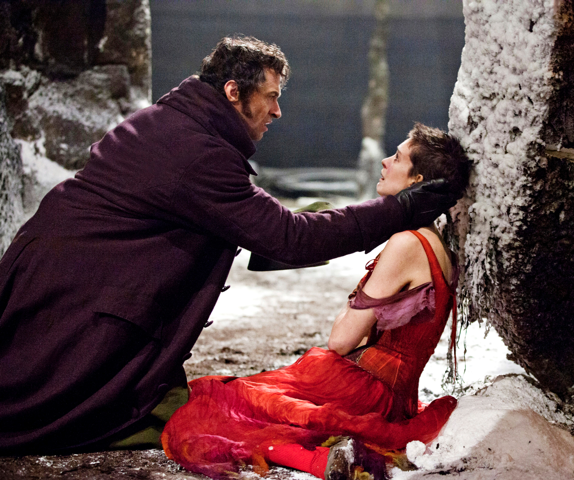 LES MISERABLES, from left: Hugh Jackman, Anne Hathaway, 2012. ©Universal Pictures/Courtesy Everett C