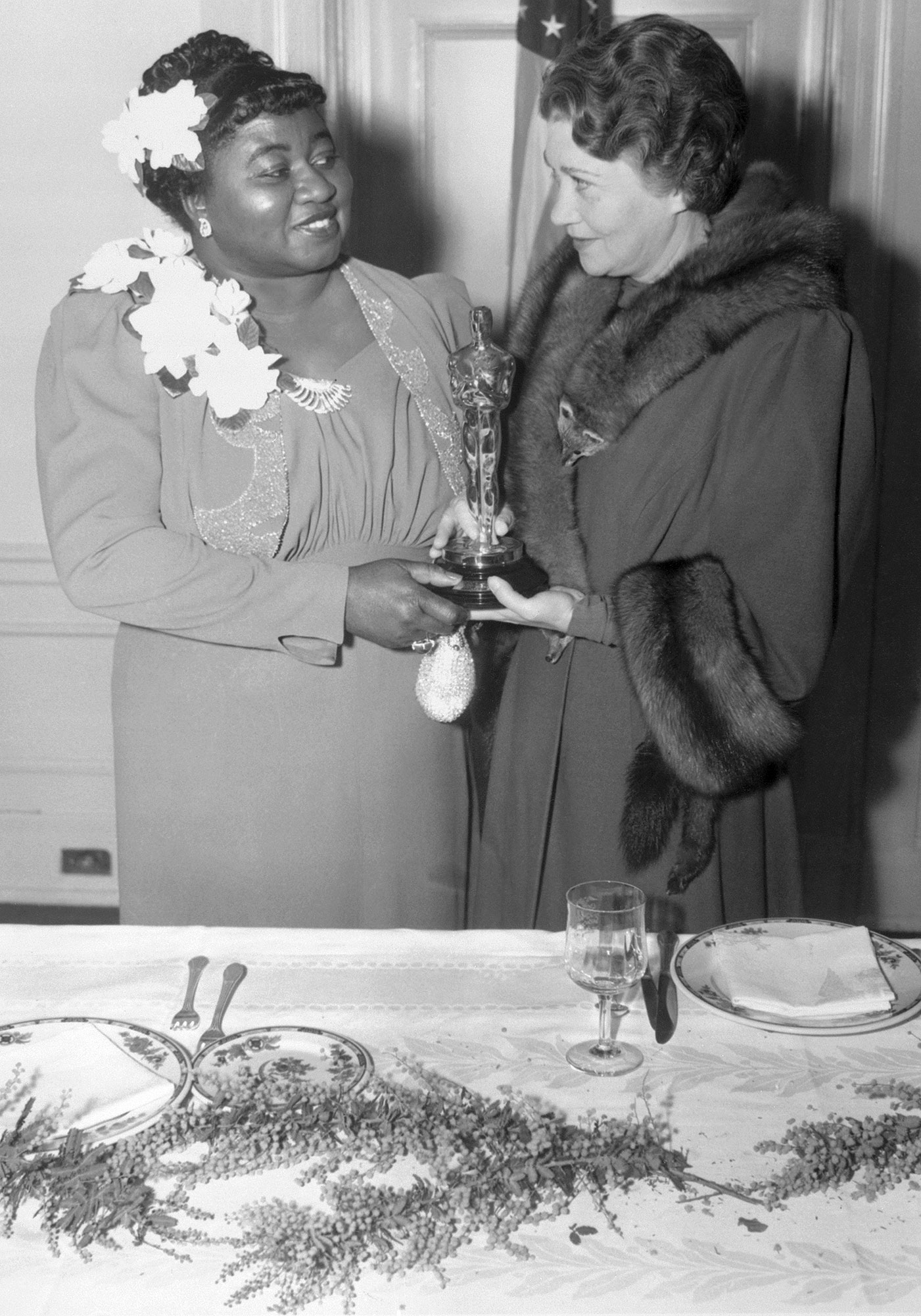 1940: HATTIE MCDANIEL MAKES HISTORY