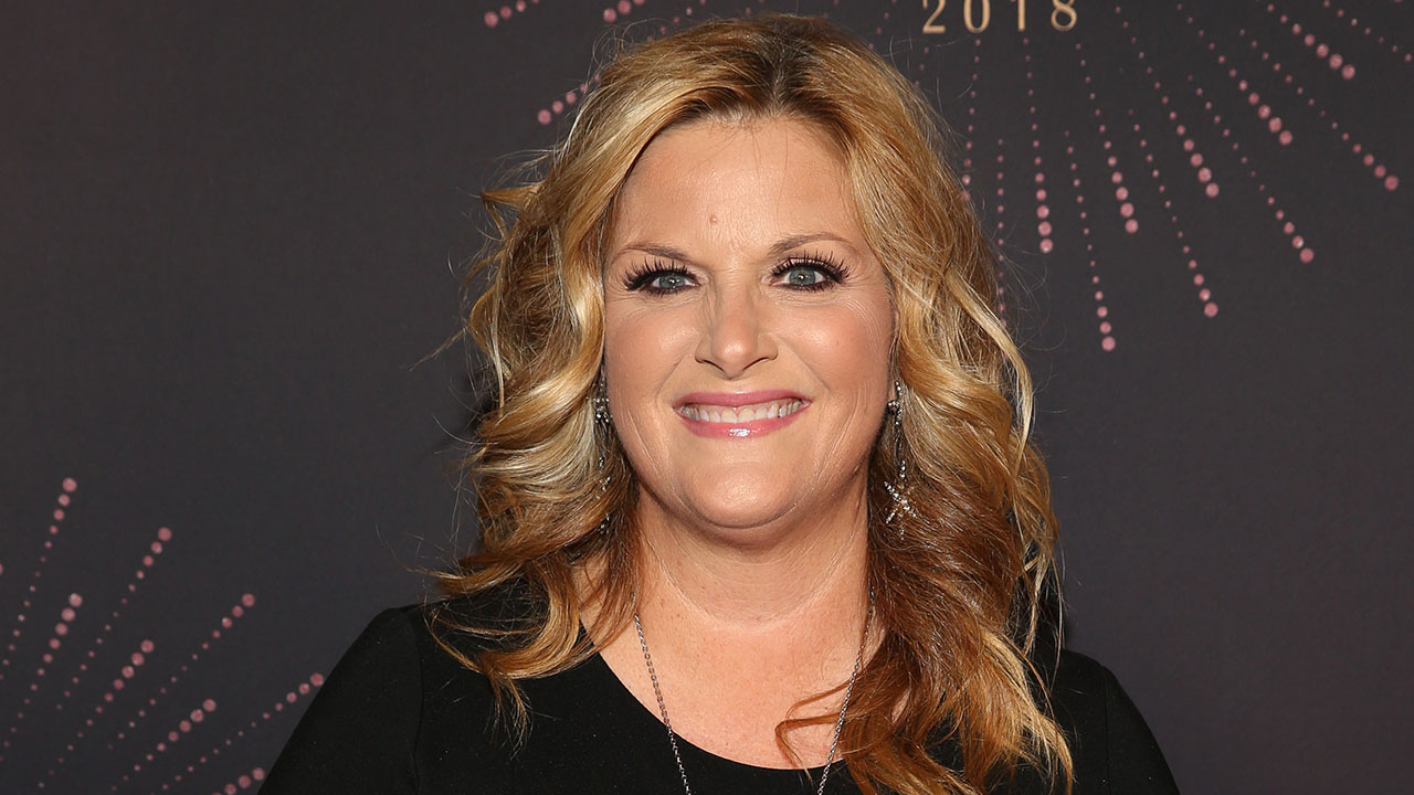 'Bonus Mom' Trisha Yearwood Opens Up About Being a Stepmother to Garth Brooks' 3 Daughters