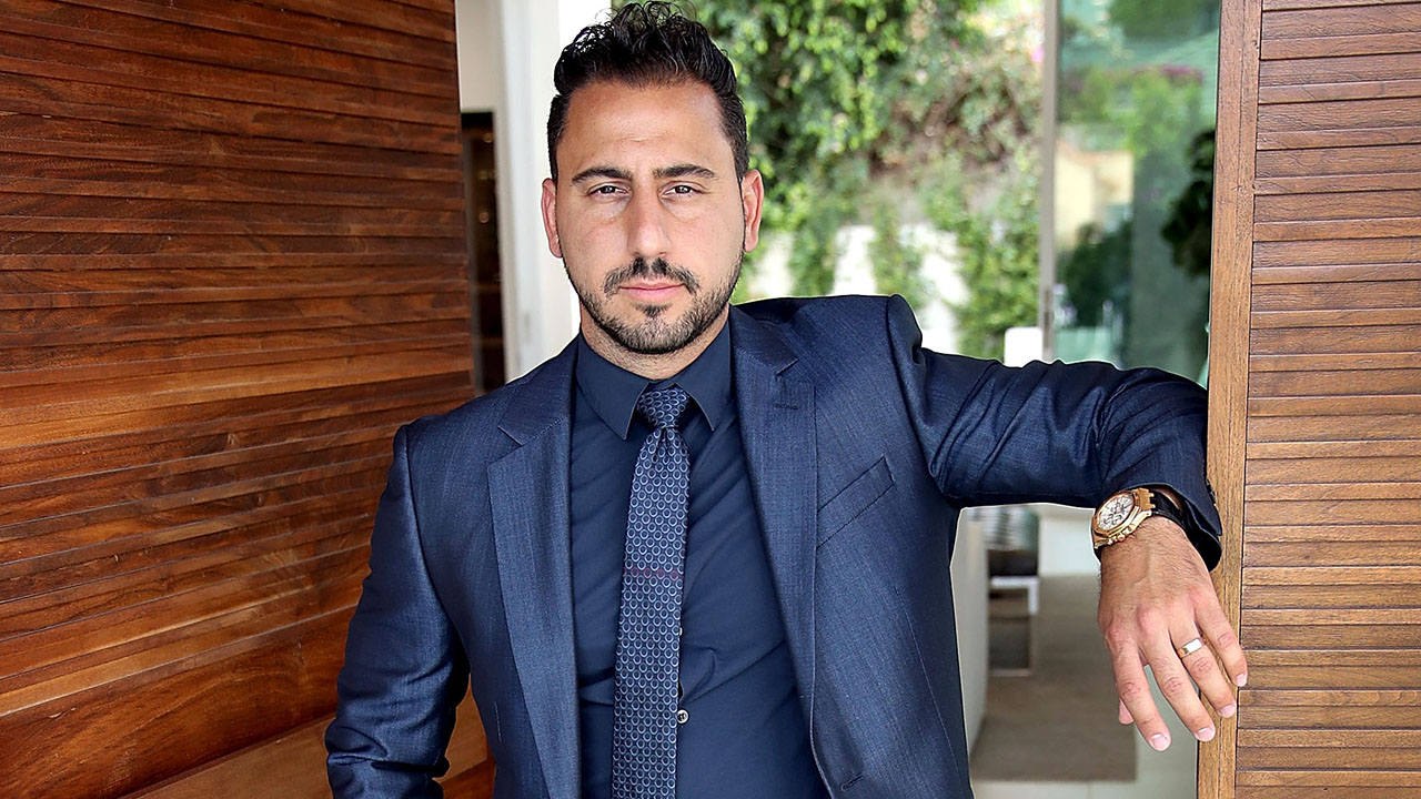 Real Estate Agent Josh Altman Shows Us the Most OMG-Worthy Homes!