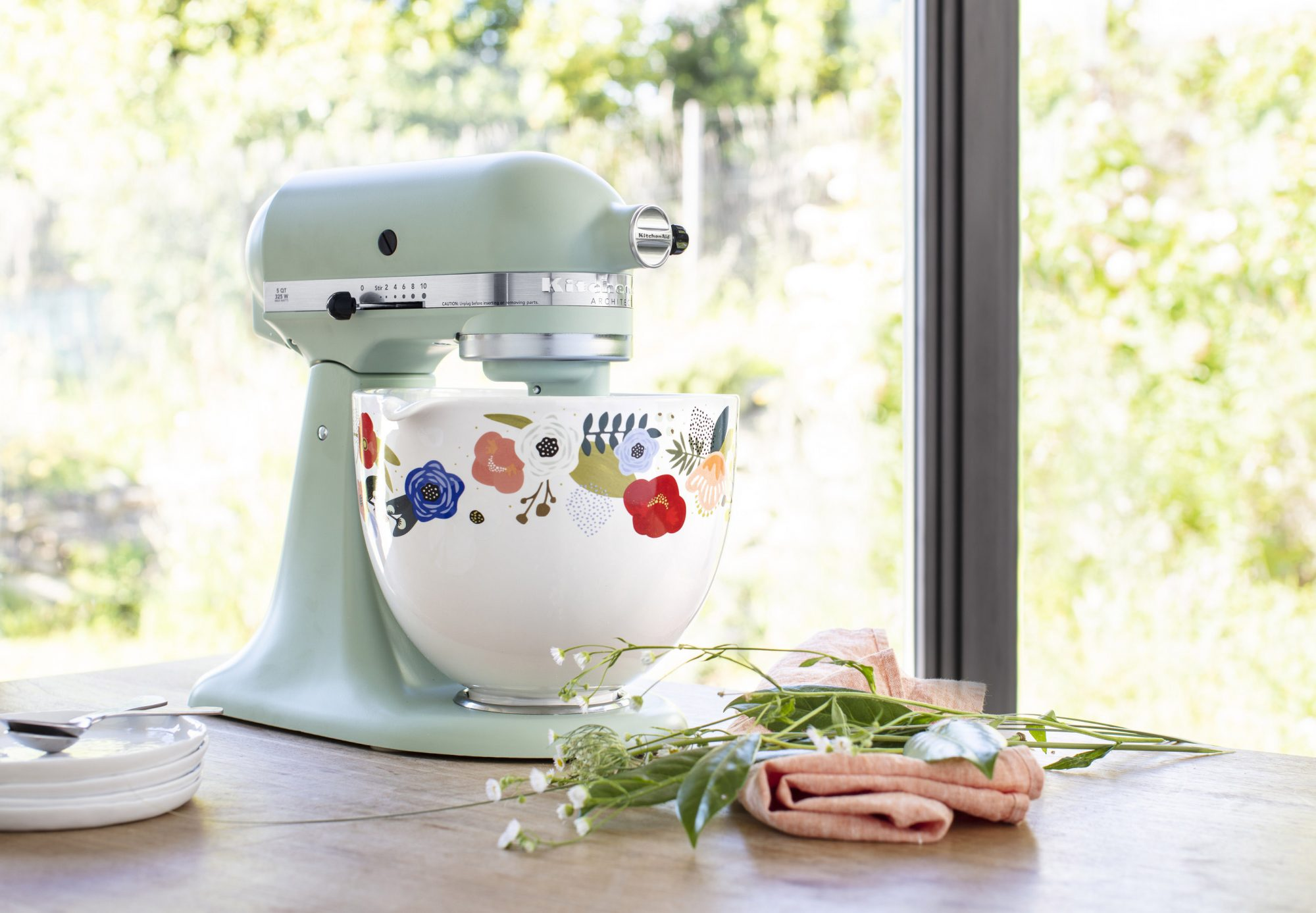 KitchenAid Scandi-Floral-Cermaic-Bowl-Lifestyle--1