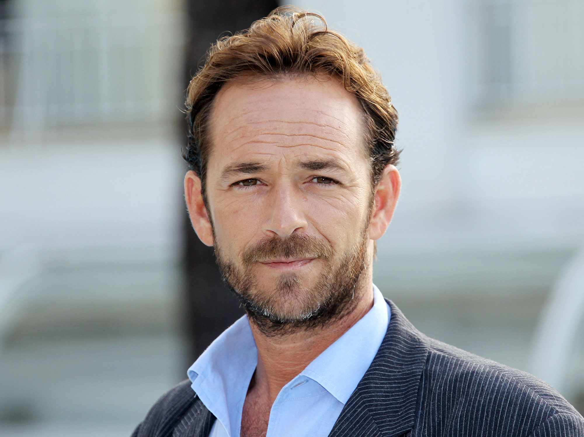 Actor Luke Perry poses during the TV ser