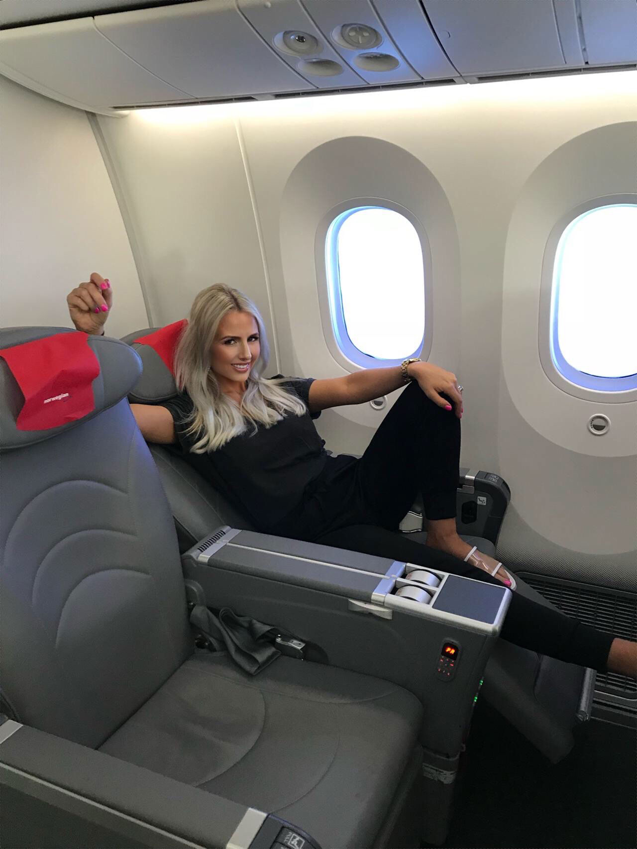 naomi-isted-plane2