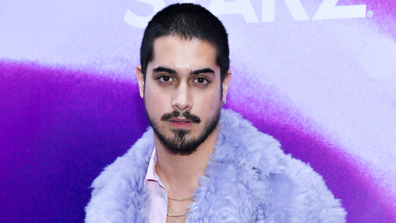 Avan Jogia Compares His New Show Now Apocalypse To Life In L A I Feel Like There S Aliens In The Dating Scene People Com