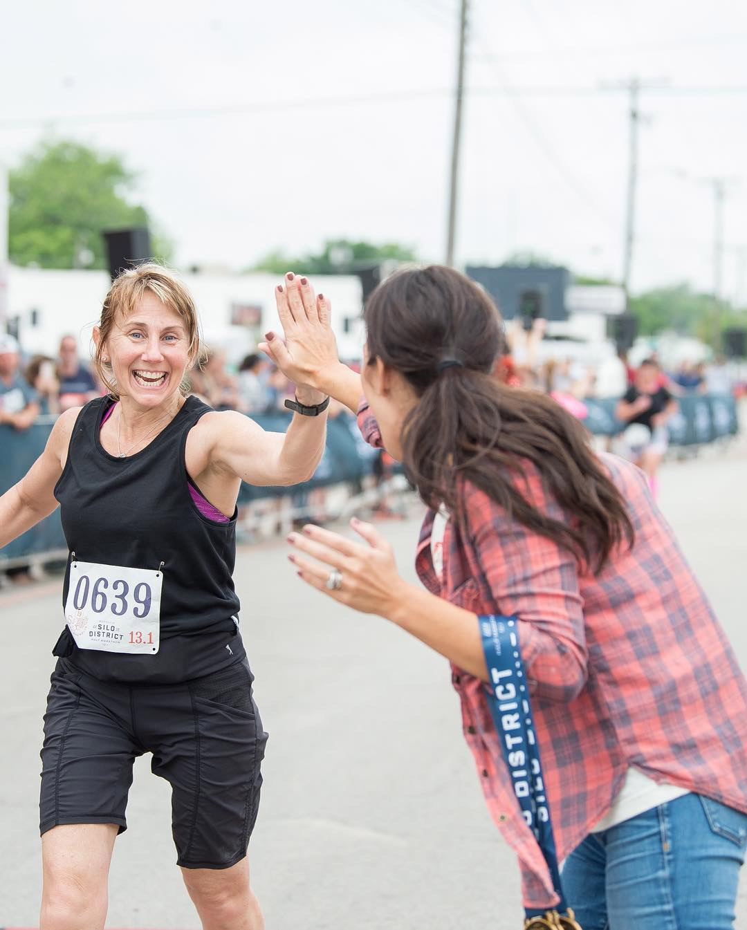 Chip Gaines running in the Silo District Marathon with Crew Gaines