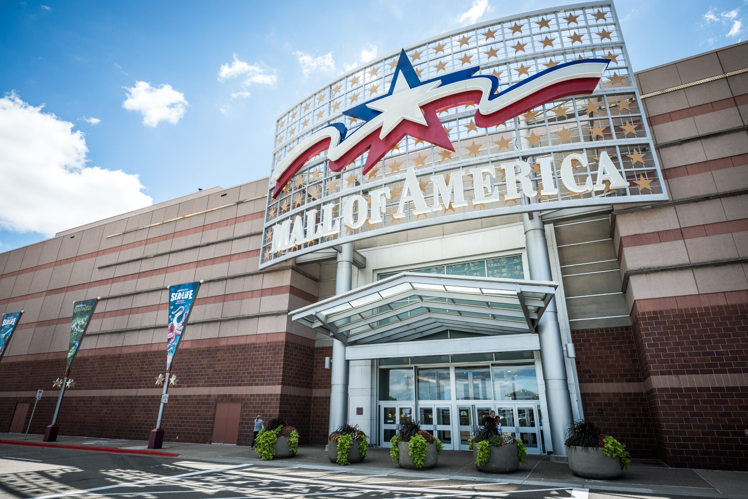 Mall of America main entrance. Image shot 12/2013. Exact date unknown.