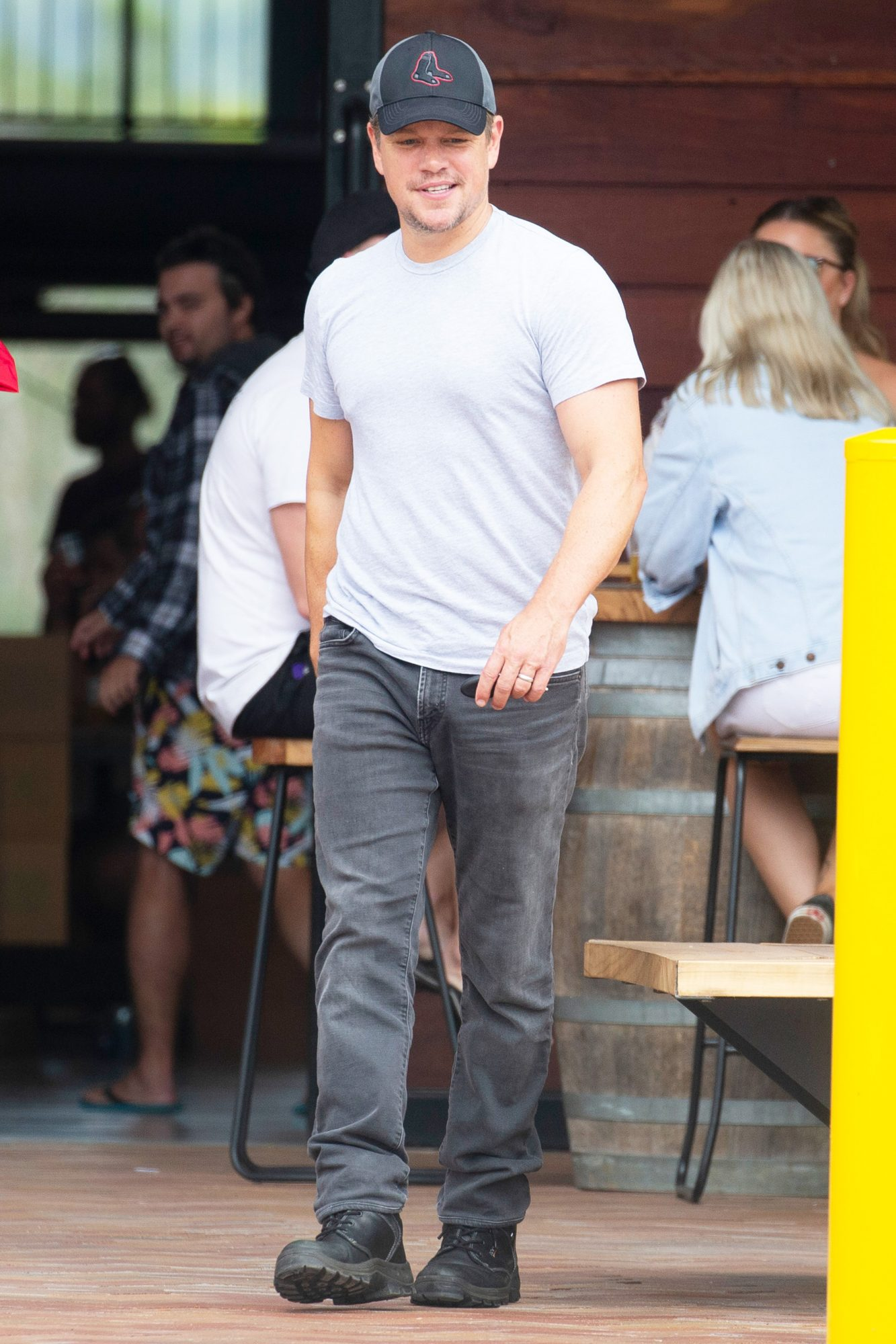 EXCLUSIVE: Matt Damon Enjoys A Brewery Lunch With Chris Hemsworth's Parents, And His Wife Luciana Barosso, In Byron Bay