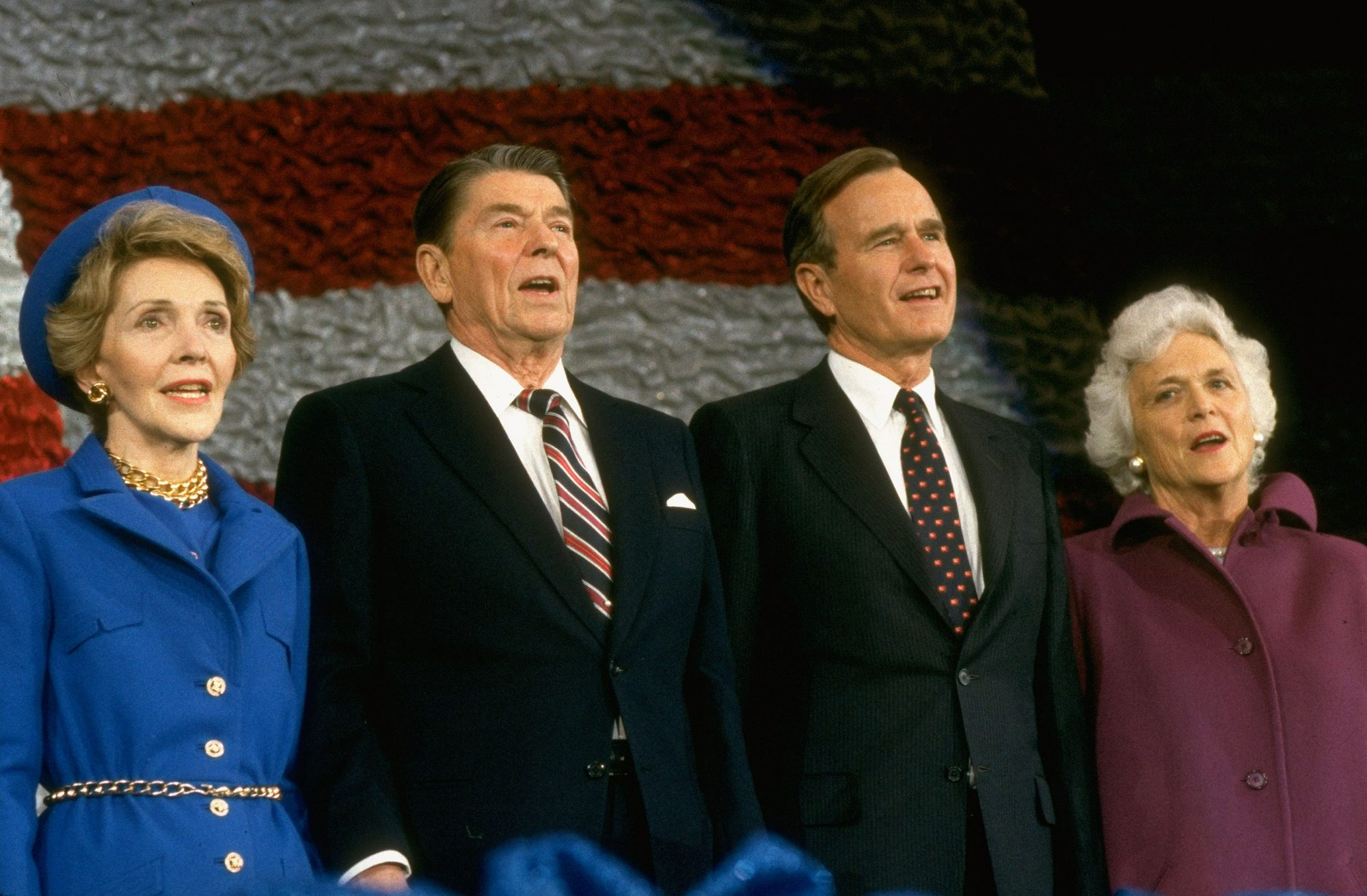 Nancy-Reagan-Barbara-Bush-6