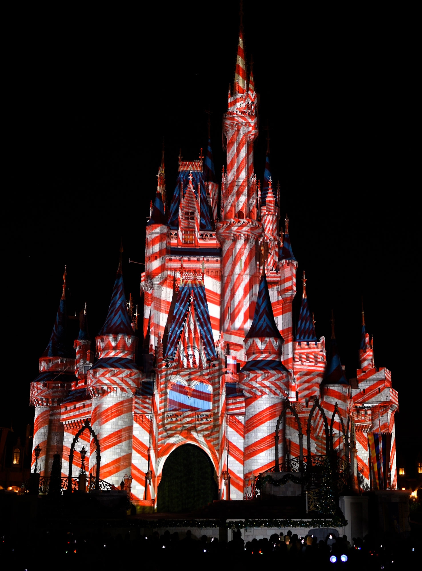 walt-disney-world-christmas-candy-castle