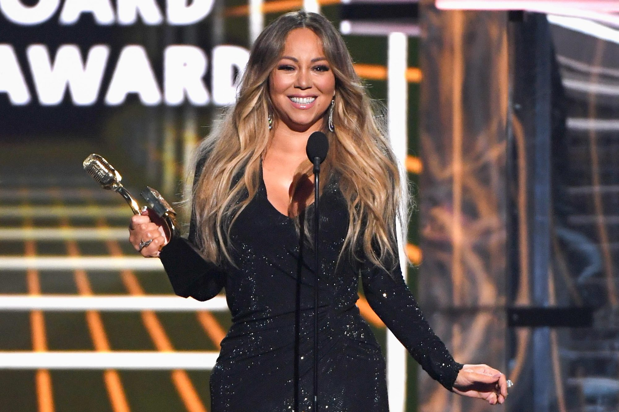 LAS VEGAS, NV - MAY 01: Mariah Carey accepts the Icon Award onstage during the 2019 Billboard Music Awards at MGM Grand Garden Arena on May 1, 2019 in Las Vegas, Nevada. (Photo by Ethan Miller/Getty Images)