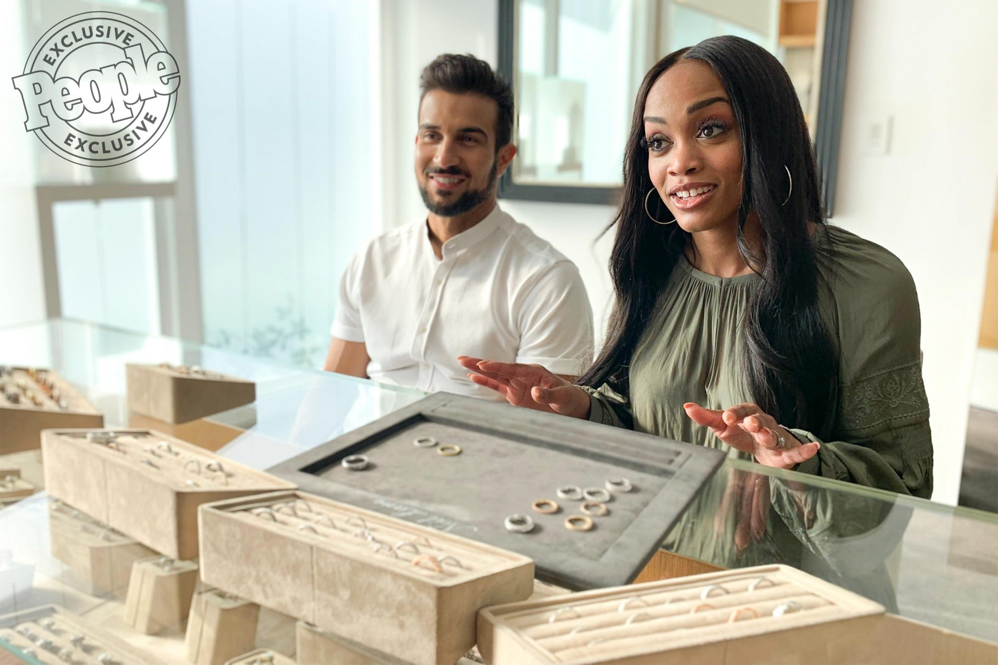 The Bachelorette's Lindsay and Bryan pick out their Wedding Bands! Photo Credit: ©2019 Warner Bros. Entertainment Inc.