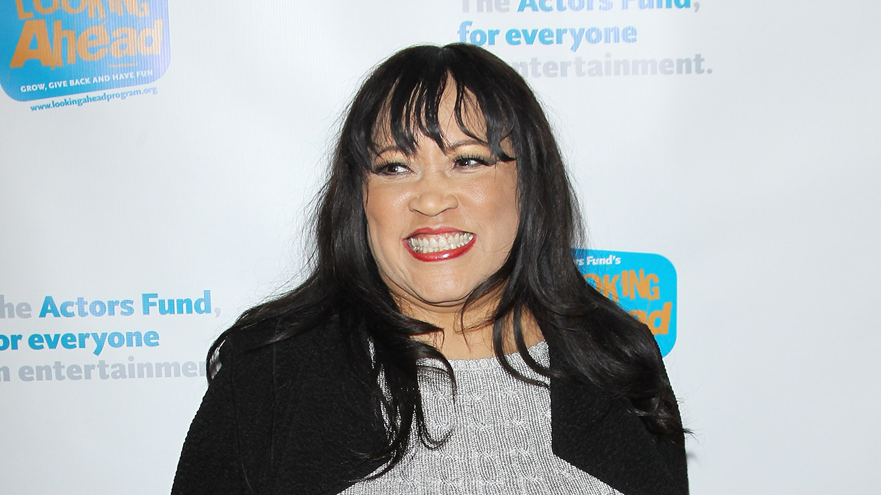 Jackée Harry's Guide to Tinder Dating and Her Ideal Guy