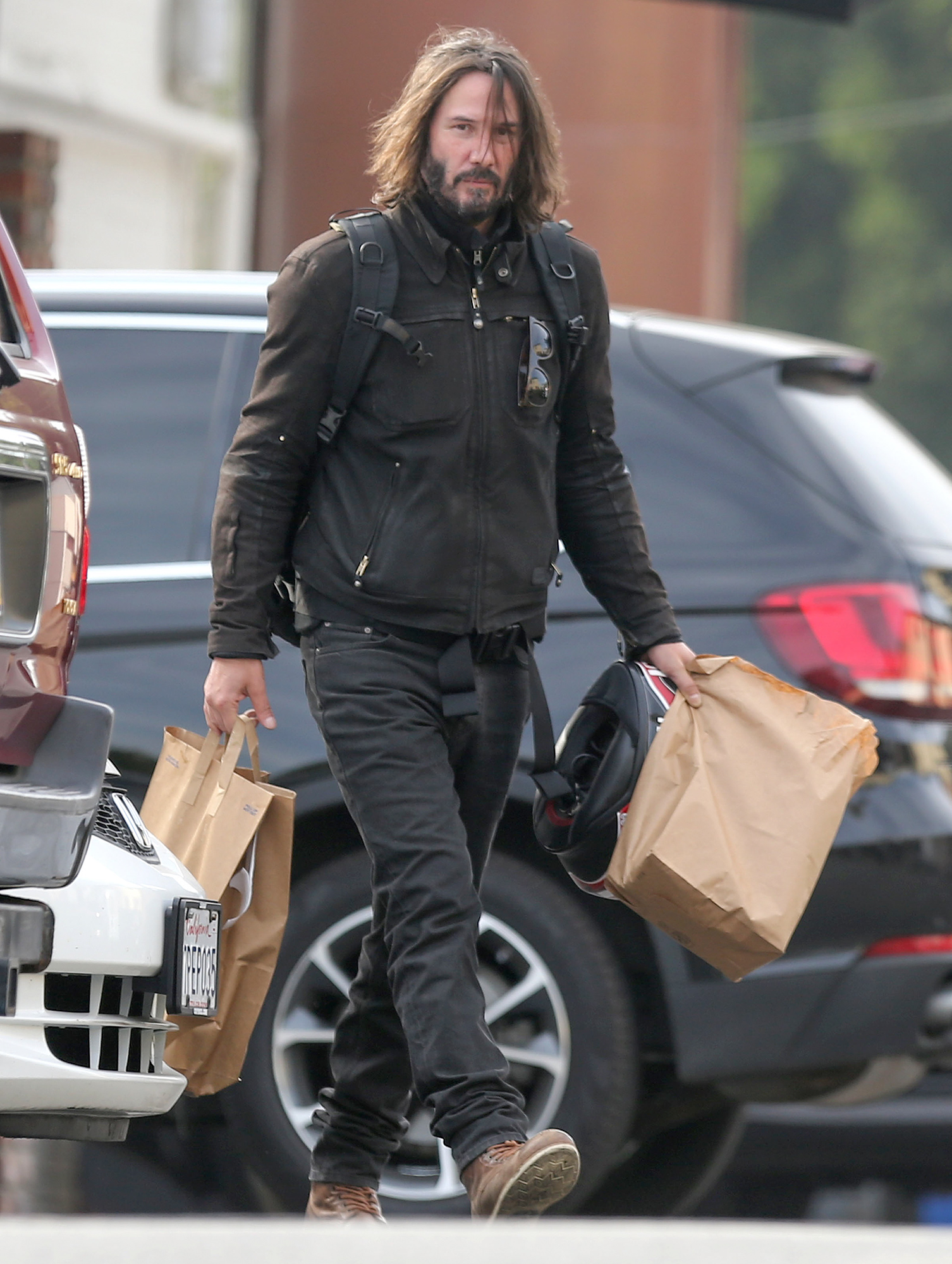 EXCLUSIVE: Keanu Reeves picks up a large takeaway order from Greenblatt's deli on New Year's Day in Los Angeles, California.