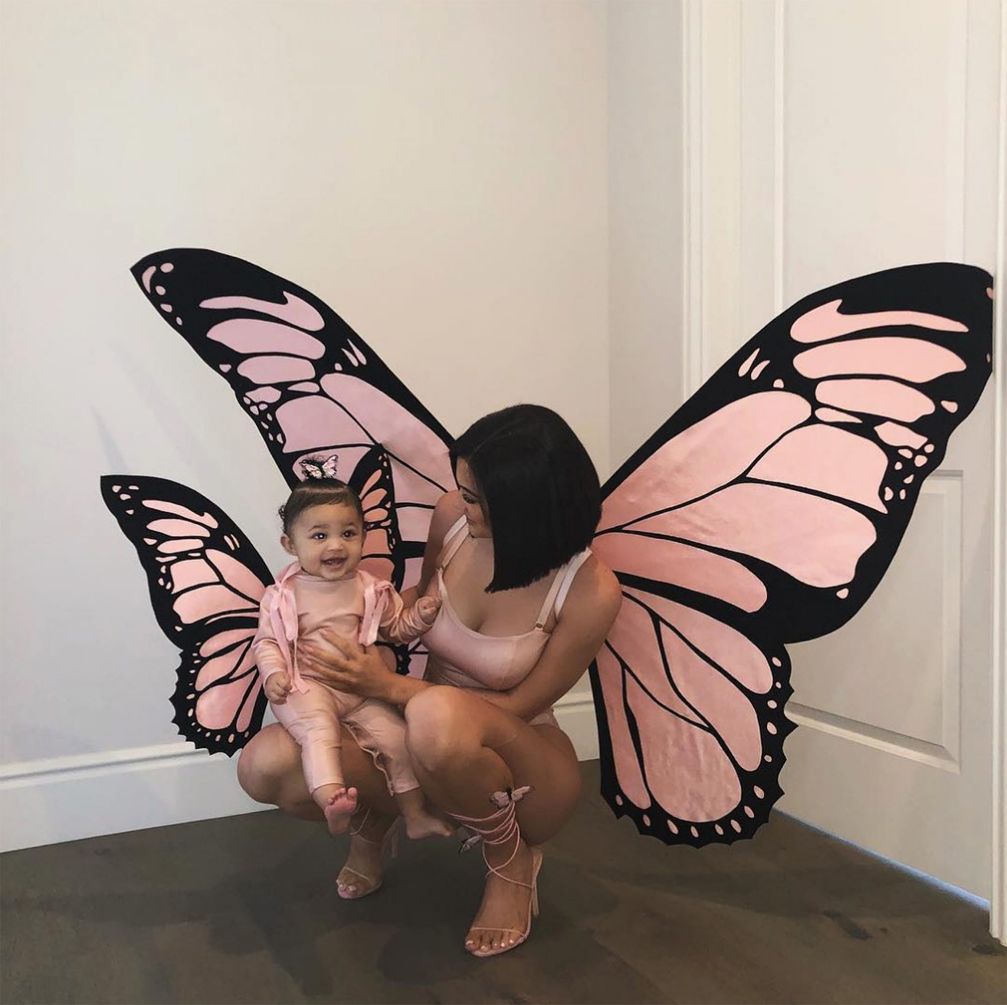 kylie-jenner-stormi-costumes