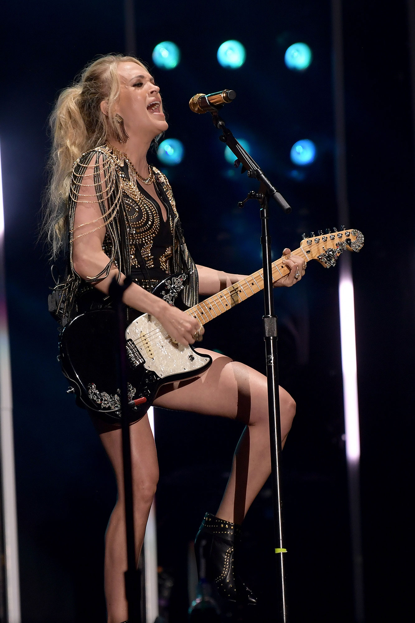 carrie-underwood-b