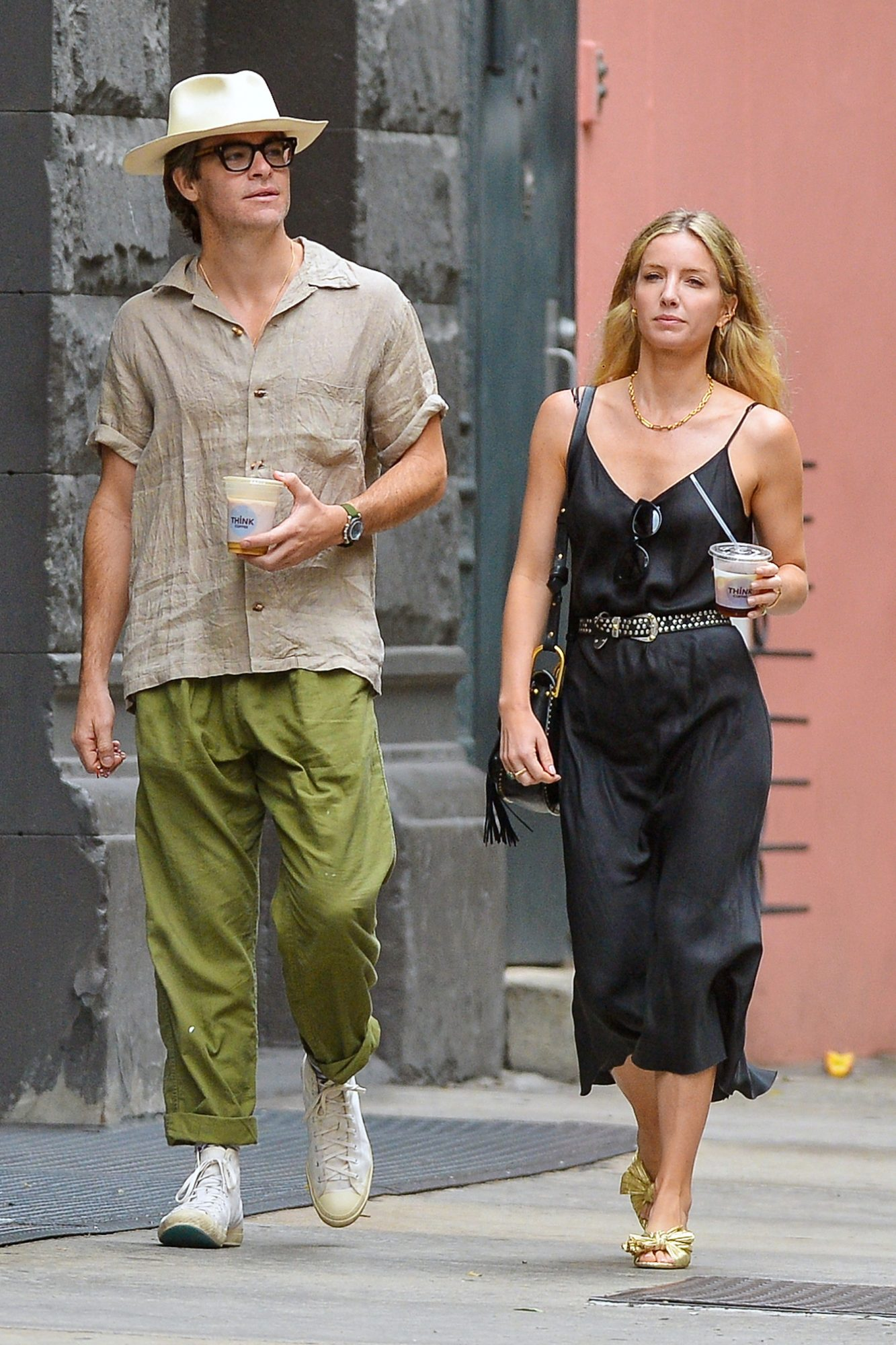 EXCLUSIVE: Chris Pine and Annabelle Wallis Enjoy some Iced Coffees on a Hot and Humid day in New York City.