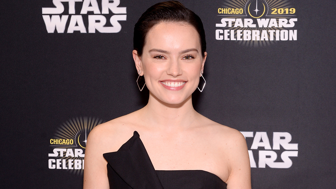 'Ophelia' Star Daisy Ridley Says Her 'Chaos Landing' Director Didn't Know Nick Jonas Got Married