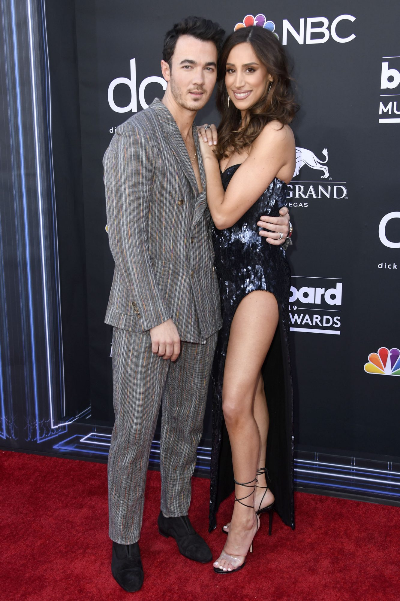 LAS VEGAS, NEVADA - MAY 01: (L-R) Kevin Jonas of Jonas Brothers ans Danielle Jonas attend the 2019 Billboard Music Awards at MGM Grand Garden Arena on May 01, 2019 in Las Vegas, Nevada. (Photo by Frazer Harrison/Getty Images)