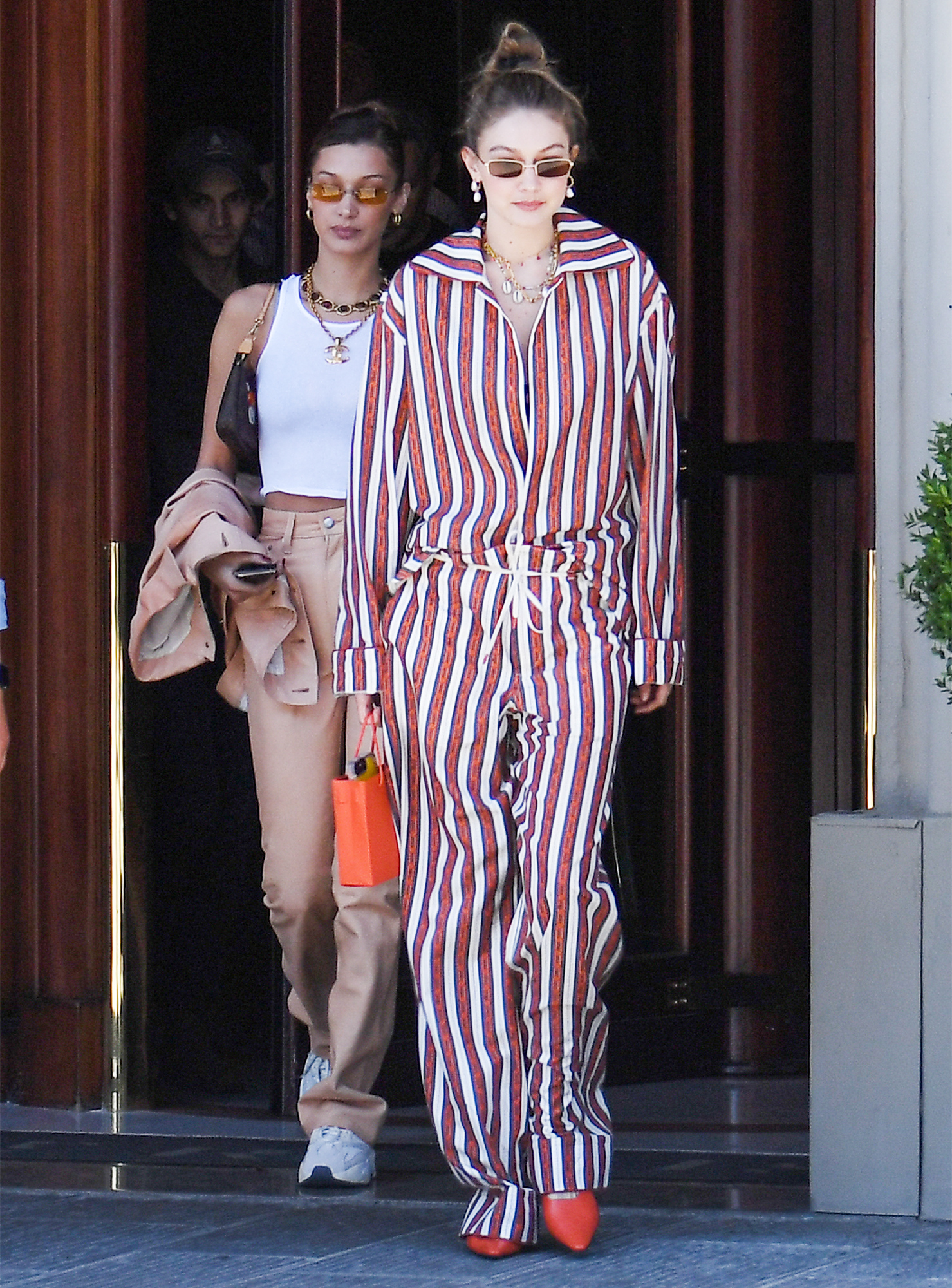 EXCLUSIVE: Bella Hadid and Gigi Hadid are Pictured Stepping Out in Florence, Italy.