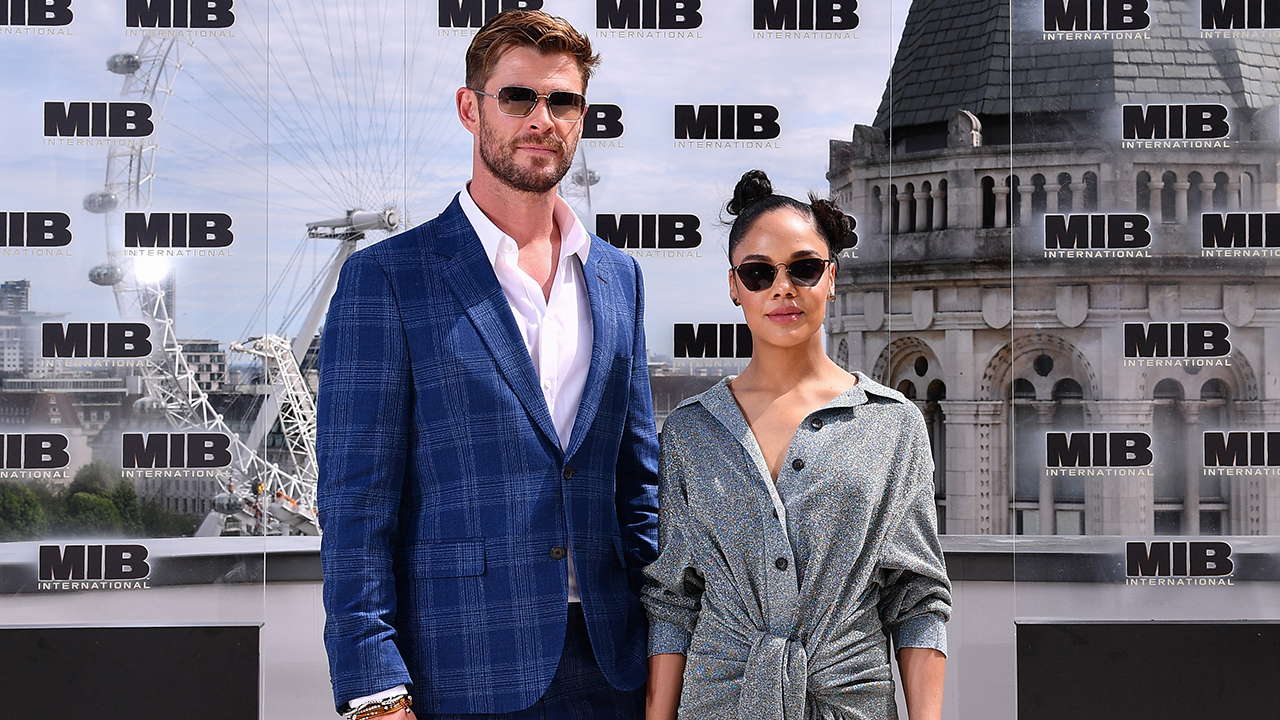 Chris Hemsworth Remembers Will Smith in Original MIB as the 'Most Charismatic Human'
