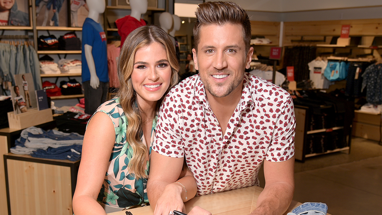 From 'Bachelorette' to House Flipping! JoJo Fletcher and Jordan Rodgers' Top Home Reno Tips
