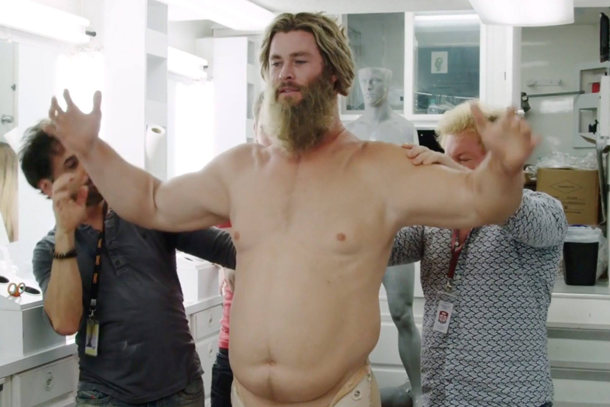 chris hemsworth fat suit