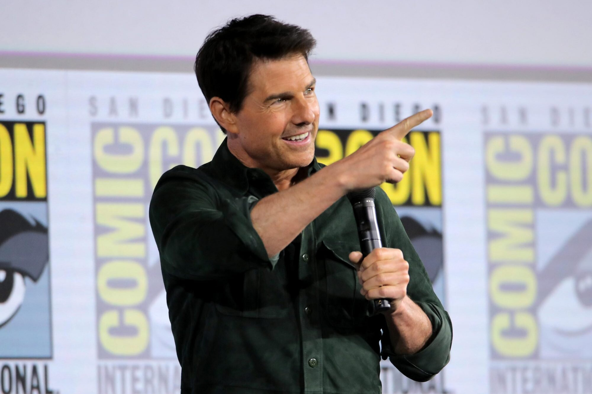 NASA, Elon Musk Confirm Tom Cruise Will Film a Movie in Space ...