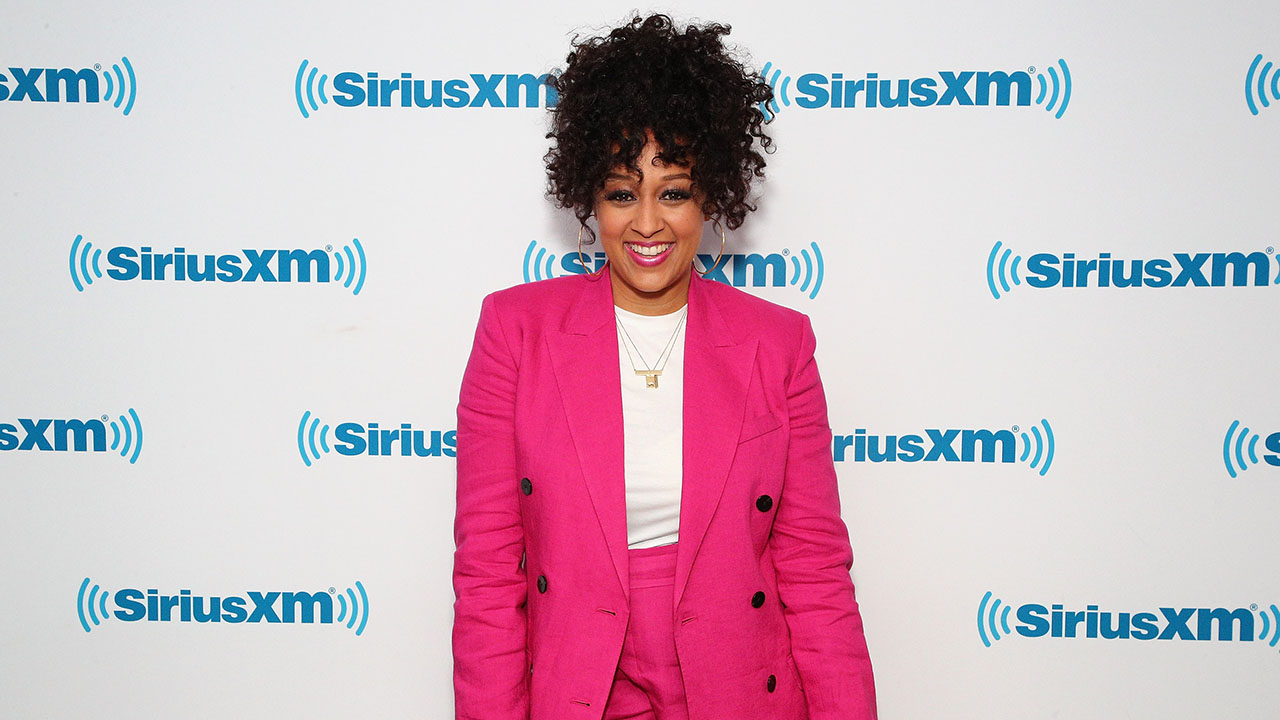 Tia Mowry-Hardrict's Quick-Fix Beauty Tip: Rubbing Ice On Your Face!