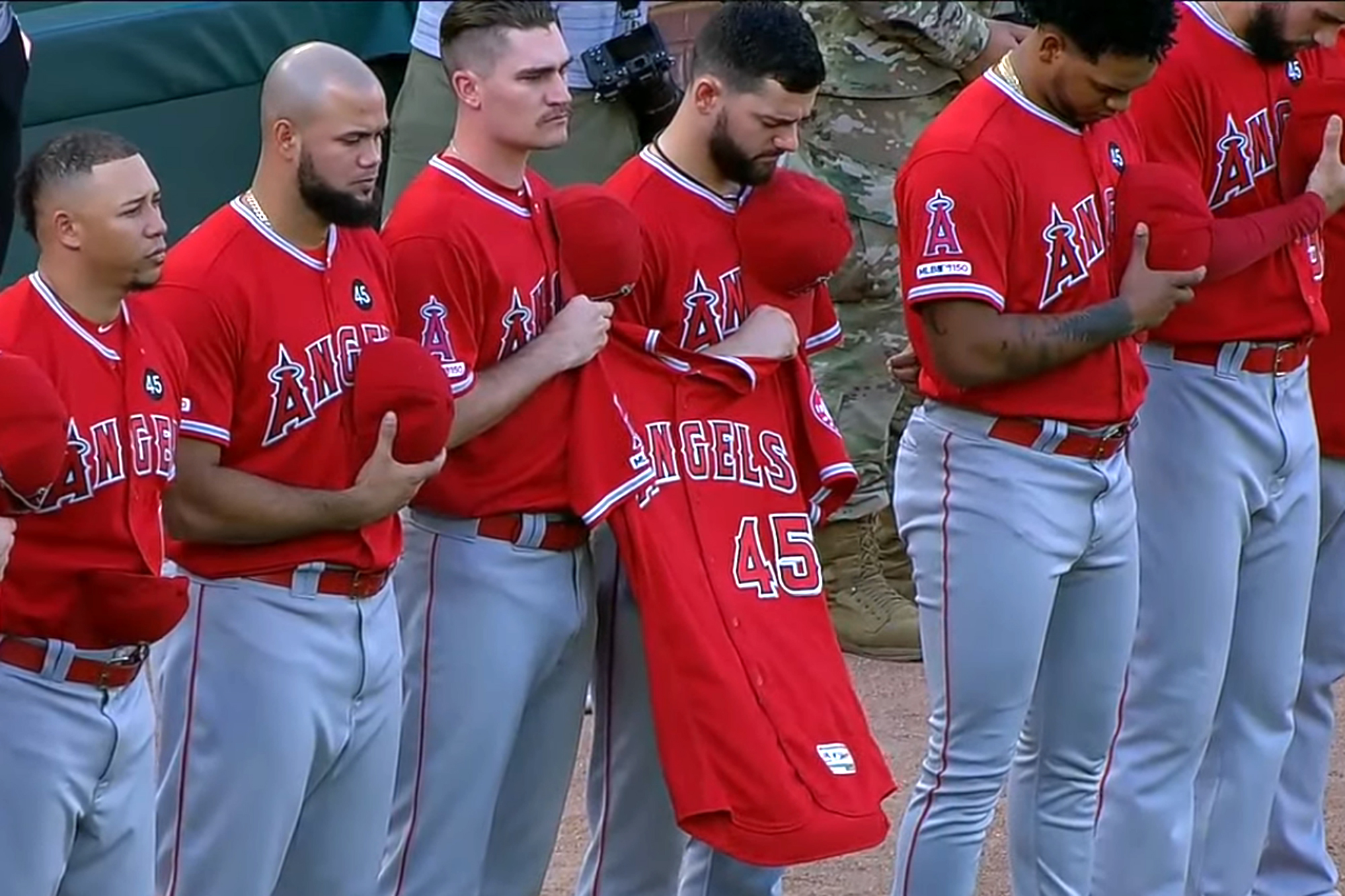Tyler Skaggs honored with emotional moment of silence