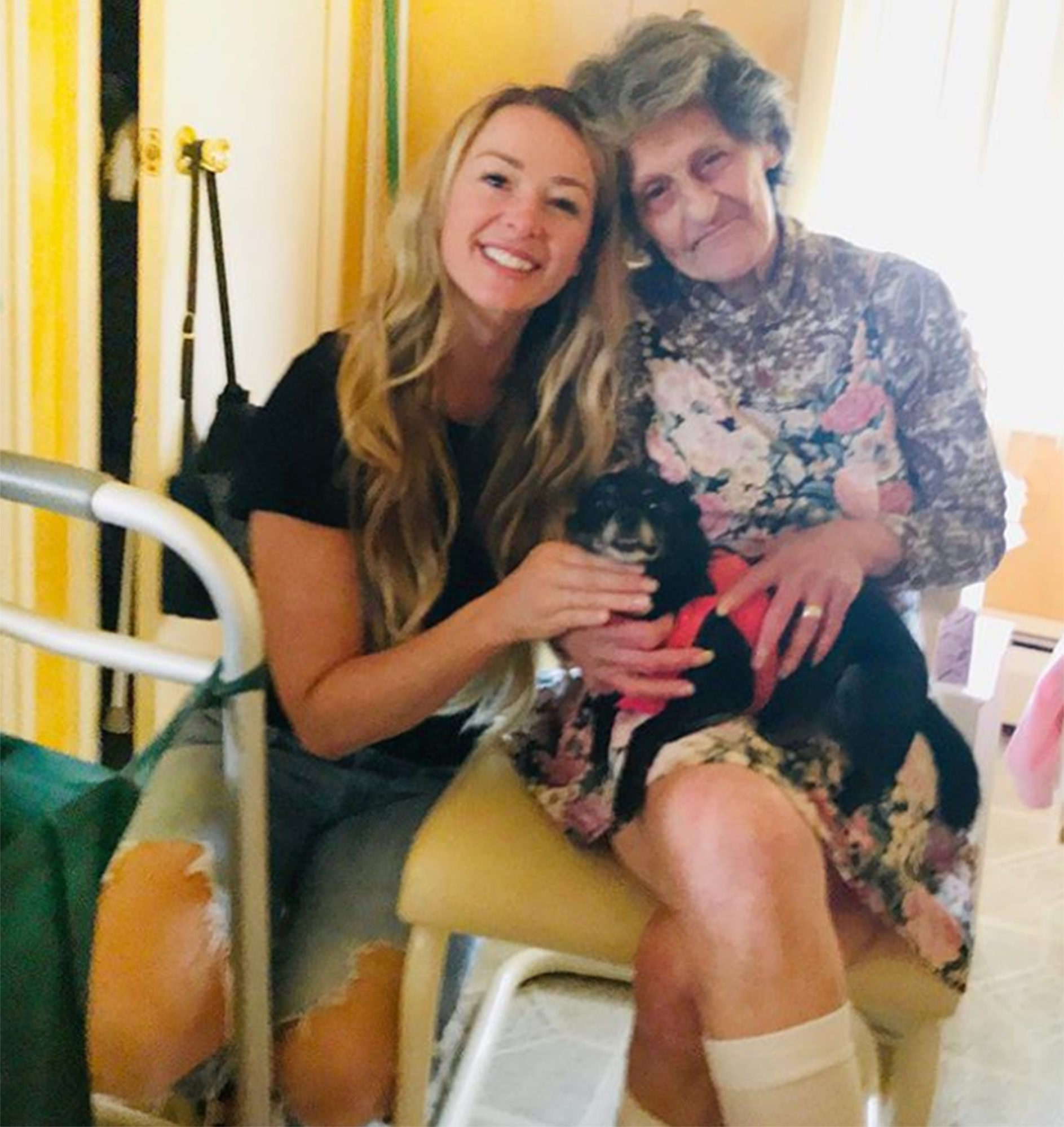 jamie otis rehomes dog