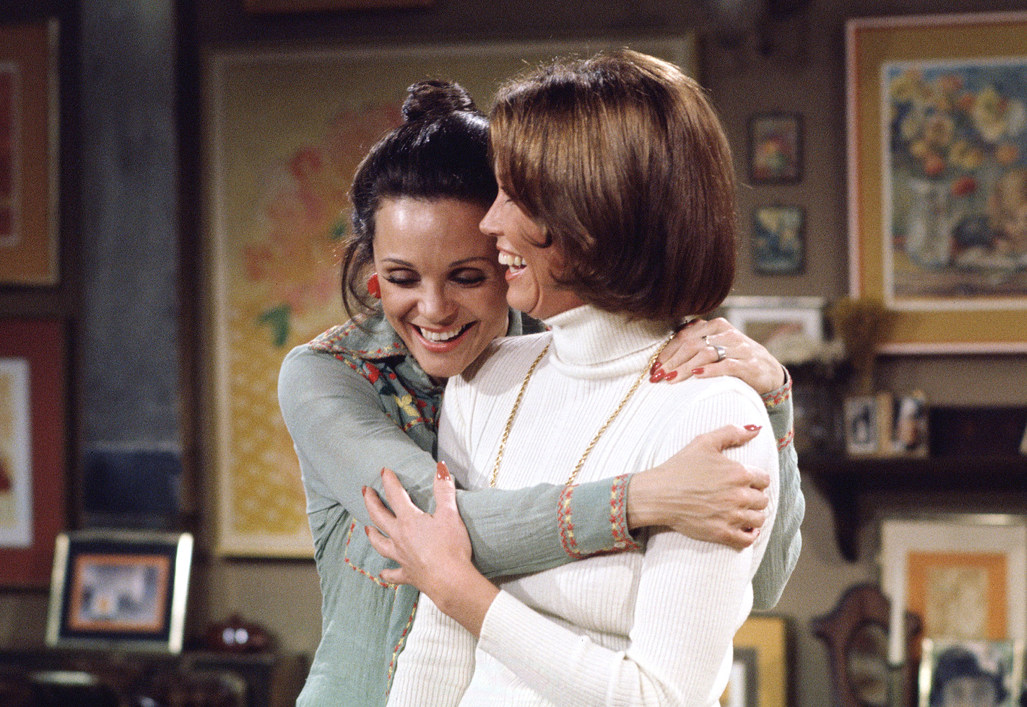 "LOS ANGELES - MARCH 10: RHODA, episode ""Along Comes Mary."" Featuring (from left): Valerie Harper (as Rhoda Morganstern) and Mary Tyler Moore (as Mary Richards). Initial broadcast on March 10, 1975. (Photo by CBS via Getty Images)"
