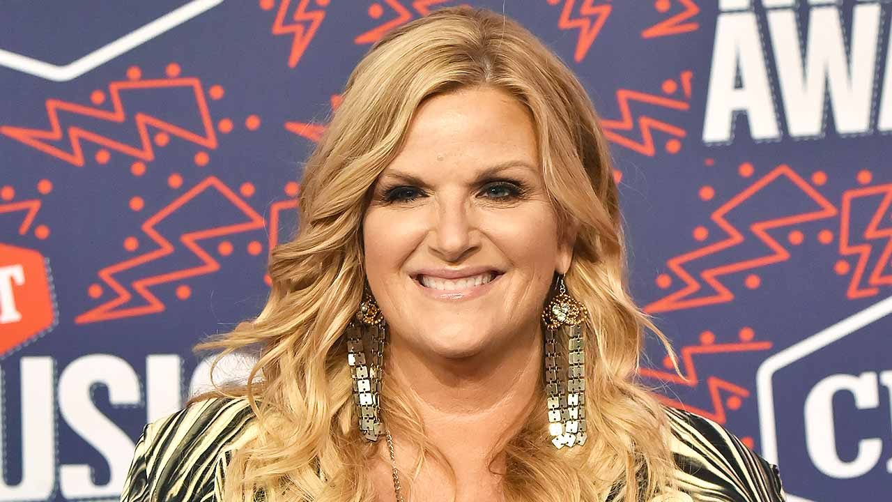 Trisha Yearwood on Writing Songs with Husband Garth Brooks: 'He's the Poet'
