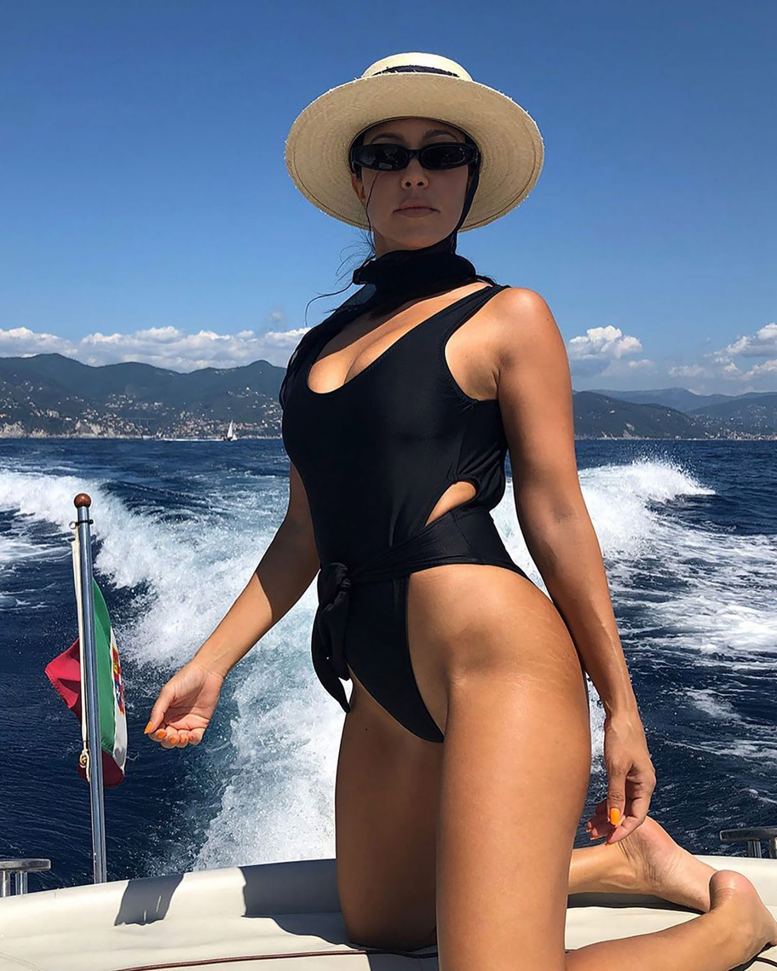 Kourtney's Non-Photoshopped Pic