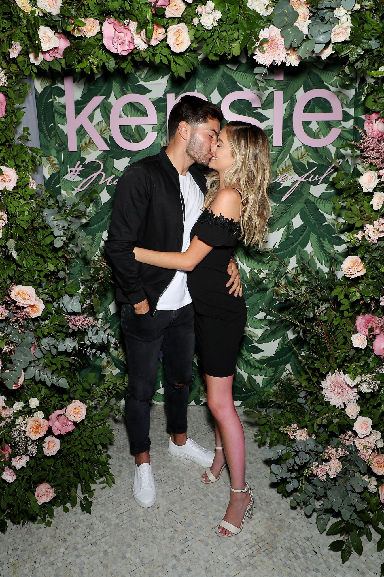 "Kensie Hosts Intimate Dinner To Celebrate The Launch of its ""#Make Pretty Powerful"" Campaign Featuring Bachelor In Paradise Star, Hannah Godwin"