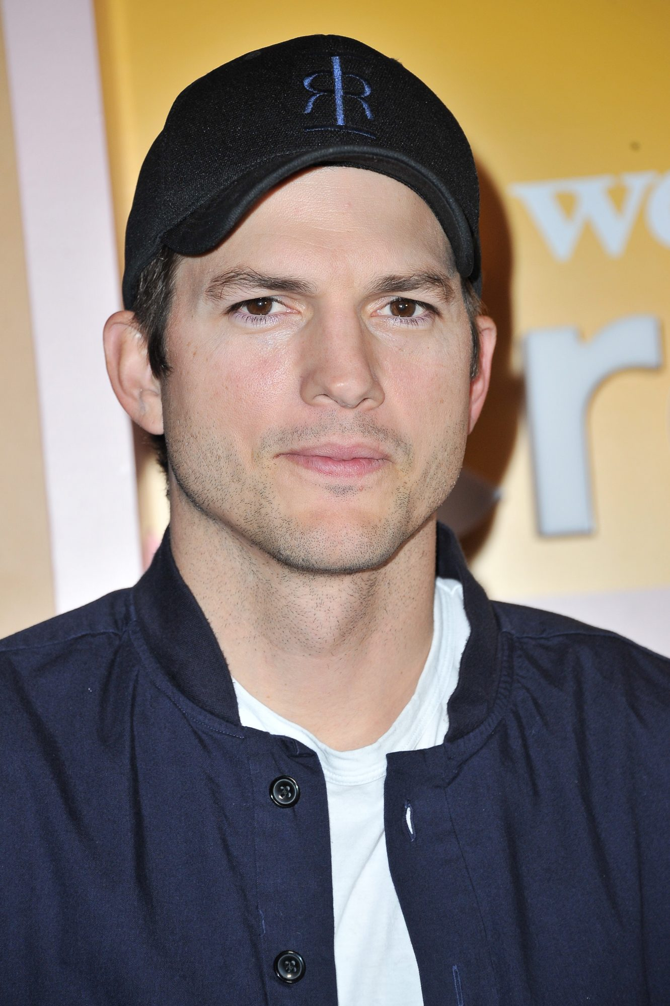 Is Ashton Kutcher hotter when he's clean-shaven?