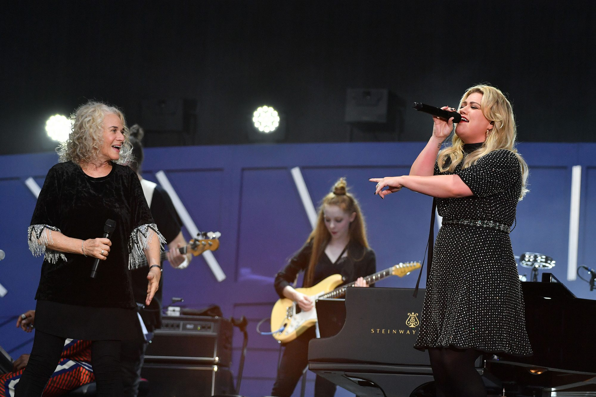 Carole King and Kelly Clarkson
