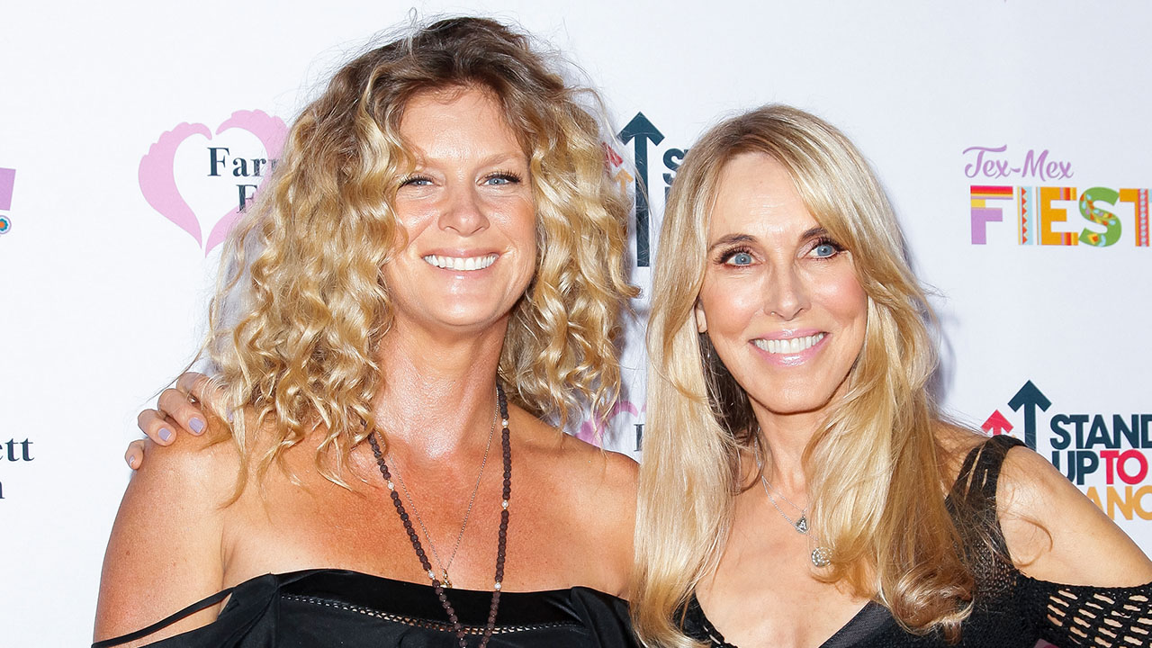 Rachel Hunter Opens Up About Creating One Family With Rod Stewart's Other Ex-Wife Alana Stewart