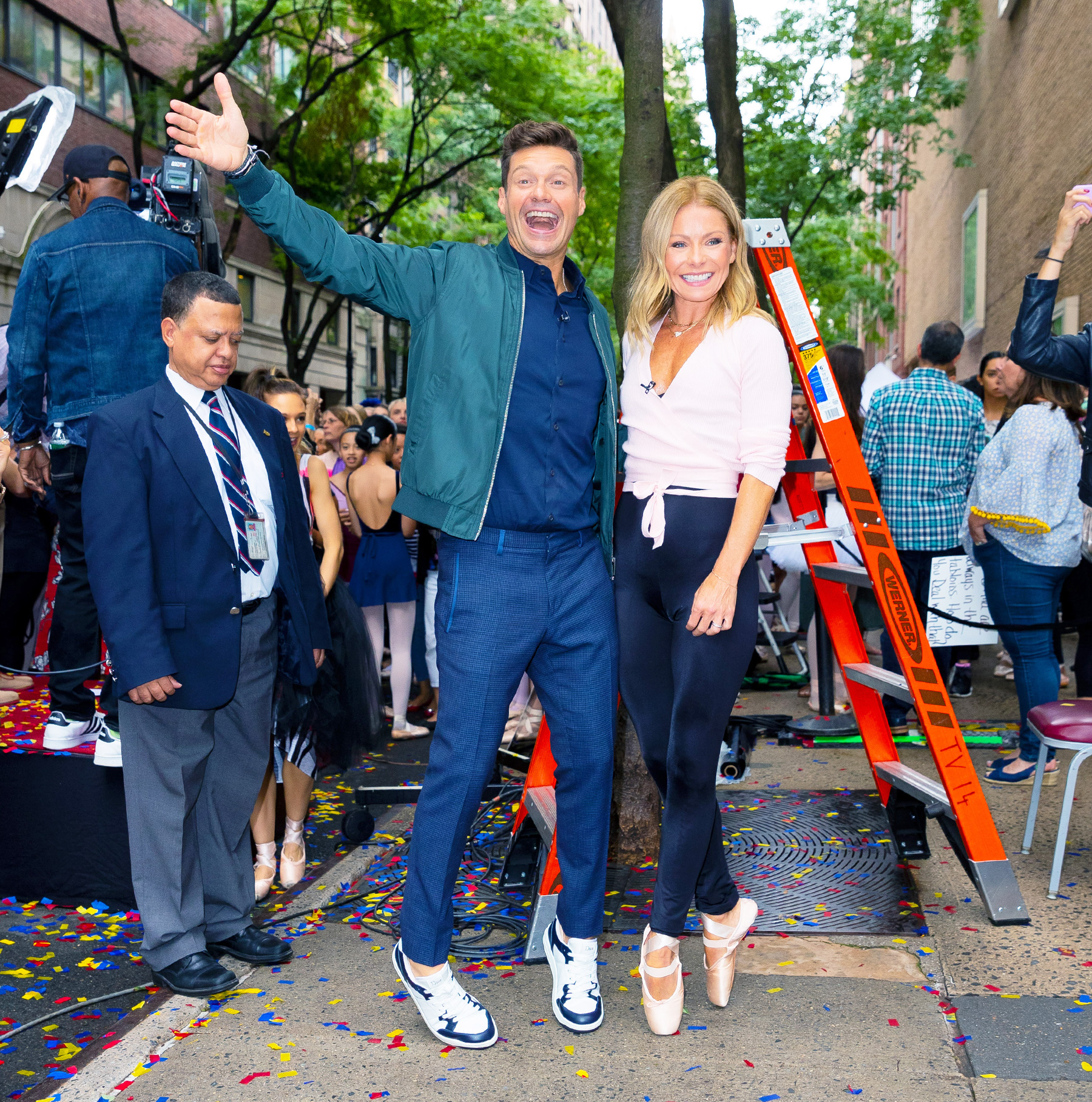 Kelly Ripa stands on pointe with Ryan Seacrest