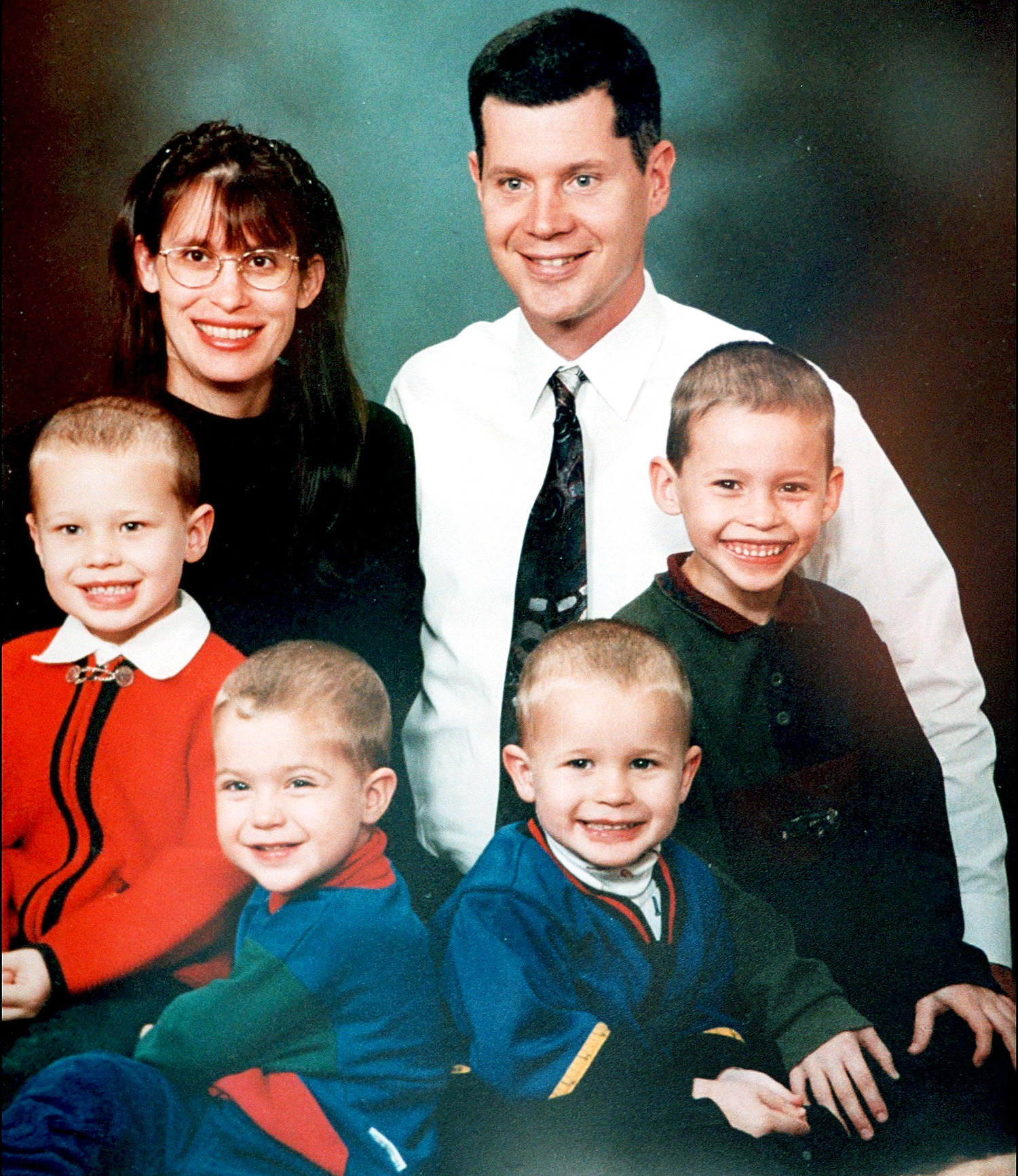 Andrea Yates Drowns Her 5 Children