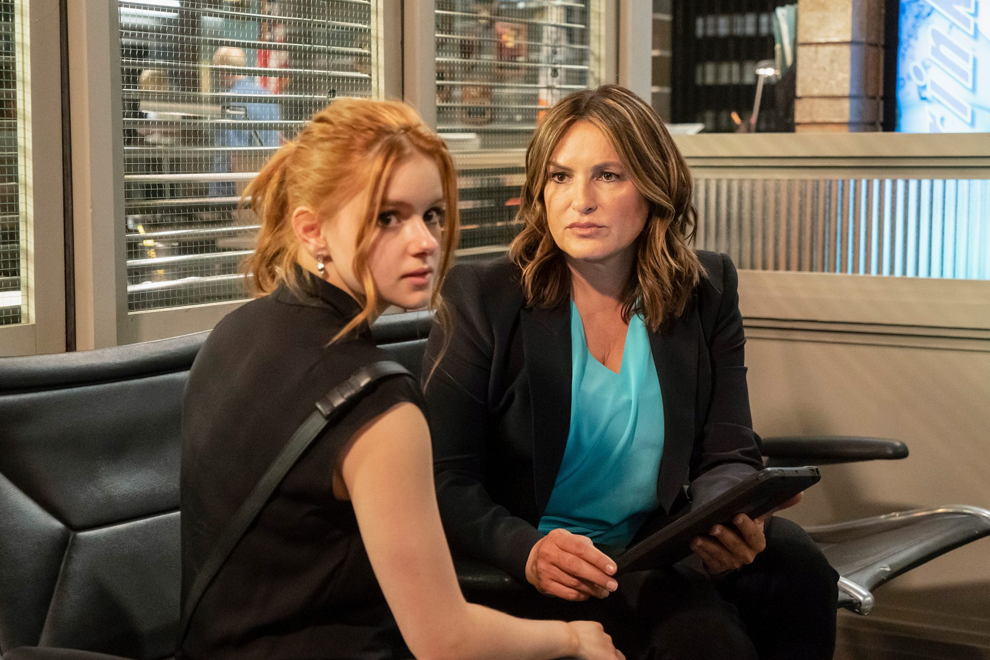 "LAW & ORDER: SPECIAL VICTIMS UNIT -- ""The Darkest Journey Home"" Episode 21002 -- Pictured: (l-r) Ariel Winter as Raegan James, Mariska Hargitay as Captain Olivia Benson"