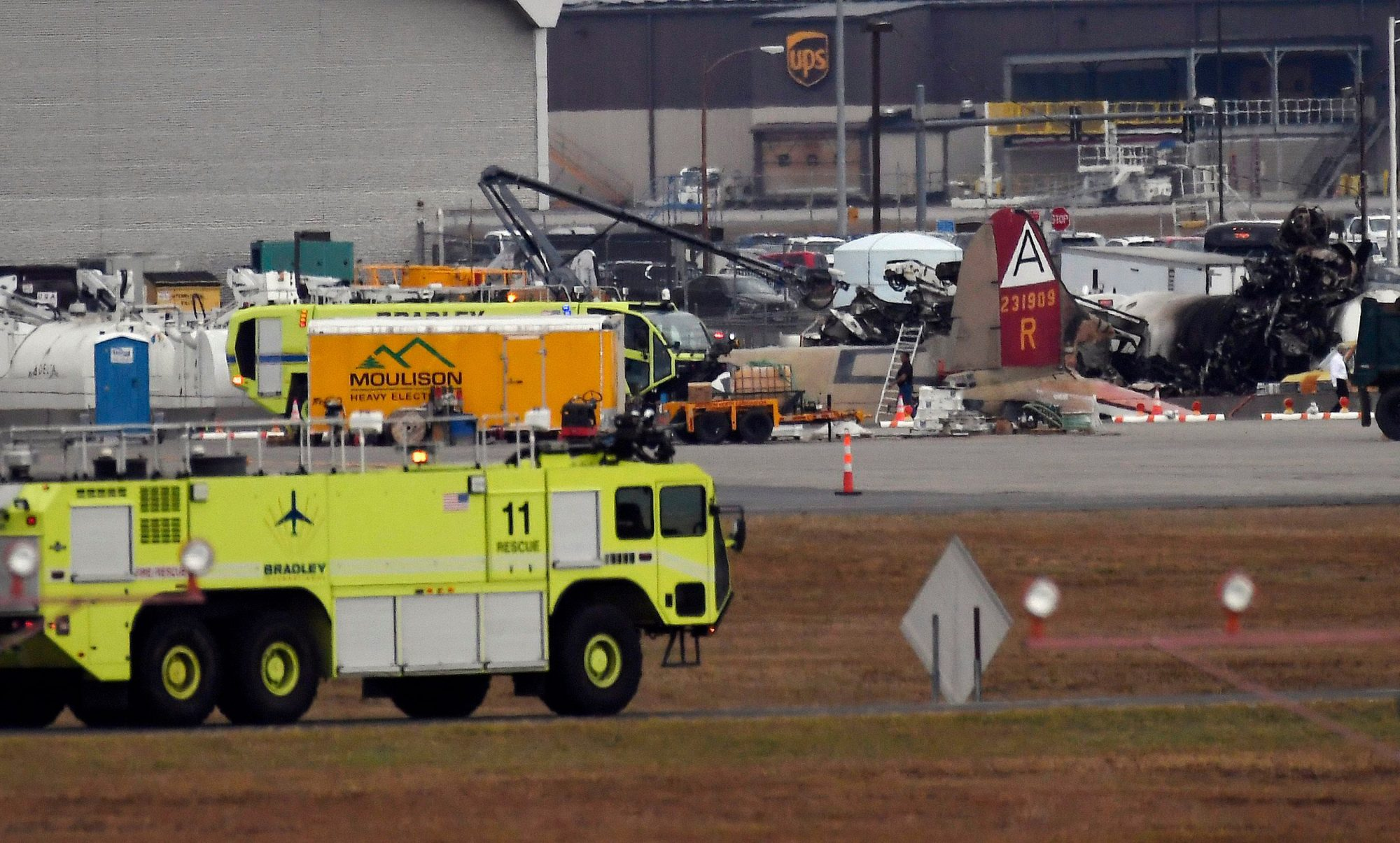 At least seven dead in a crash of a vintage B-17 plane in Connecticut, Hartford, USA