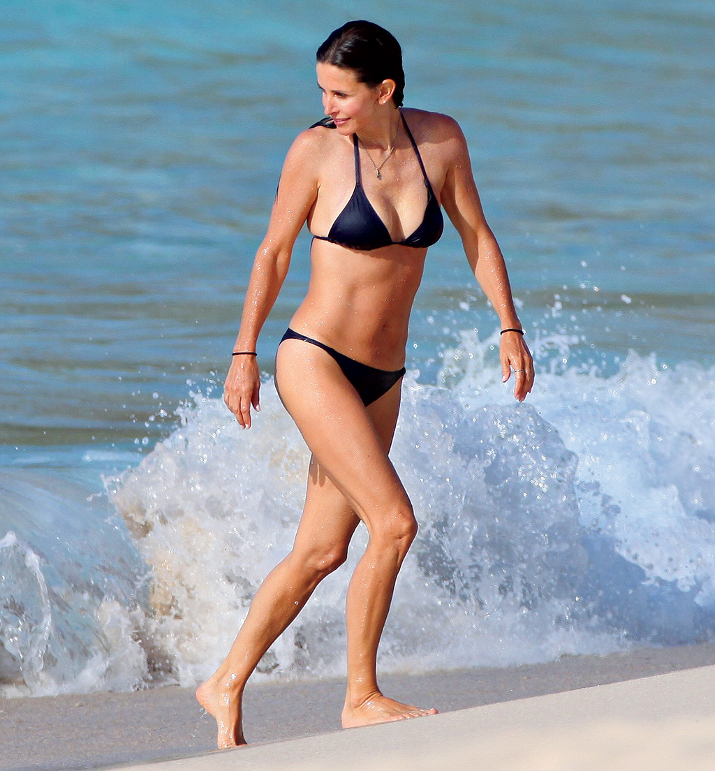 Courteney Cox and Josh Hopkins at the beach in St Barths