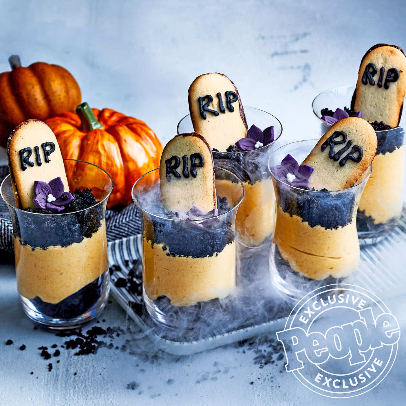 GRAVEYWARD PUMPKIN PIE SHOOTERS