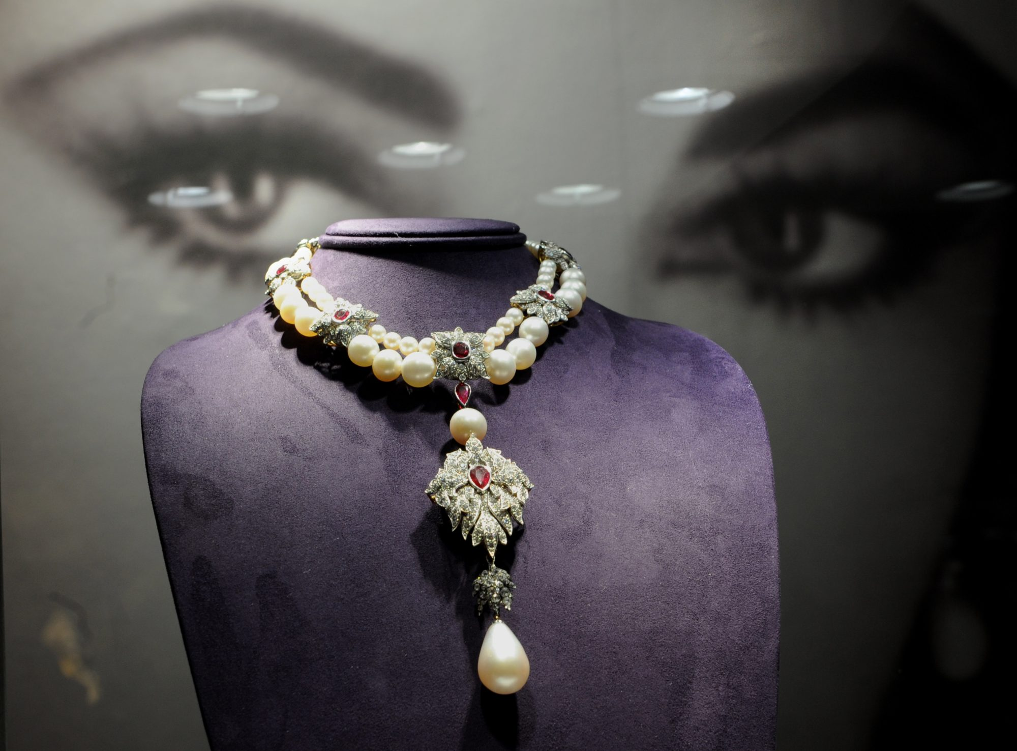 necklace owned by Elizabeth Taylor