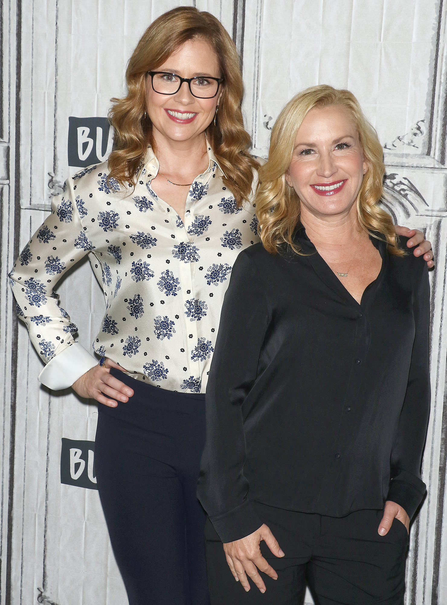 Jenna Fischer (L) and Angela Kinsey