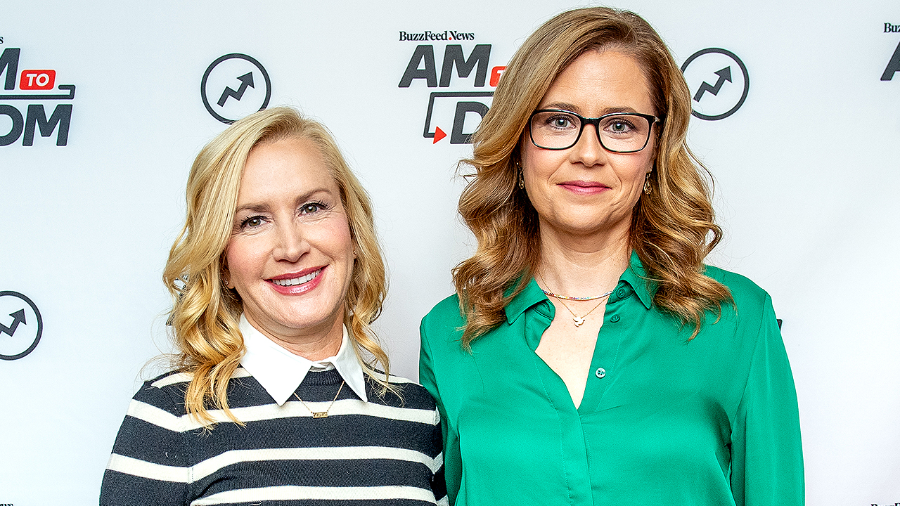 Jenna Fischer Reveals Some of the 'Office' Keepsakes That 'Hoarder' Angela Kinsey Saved
