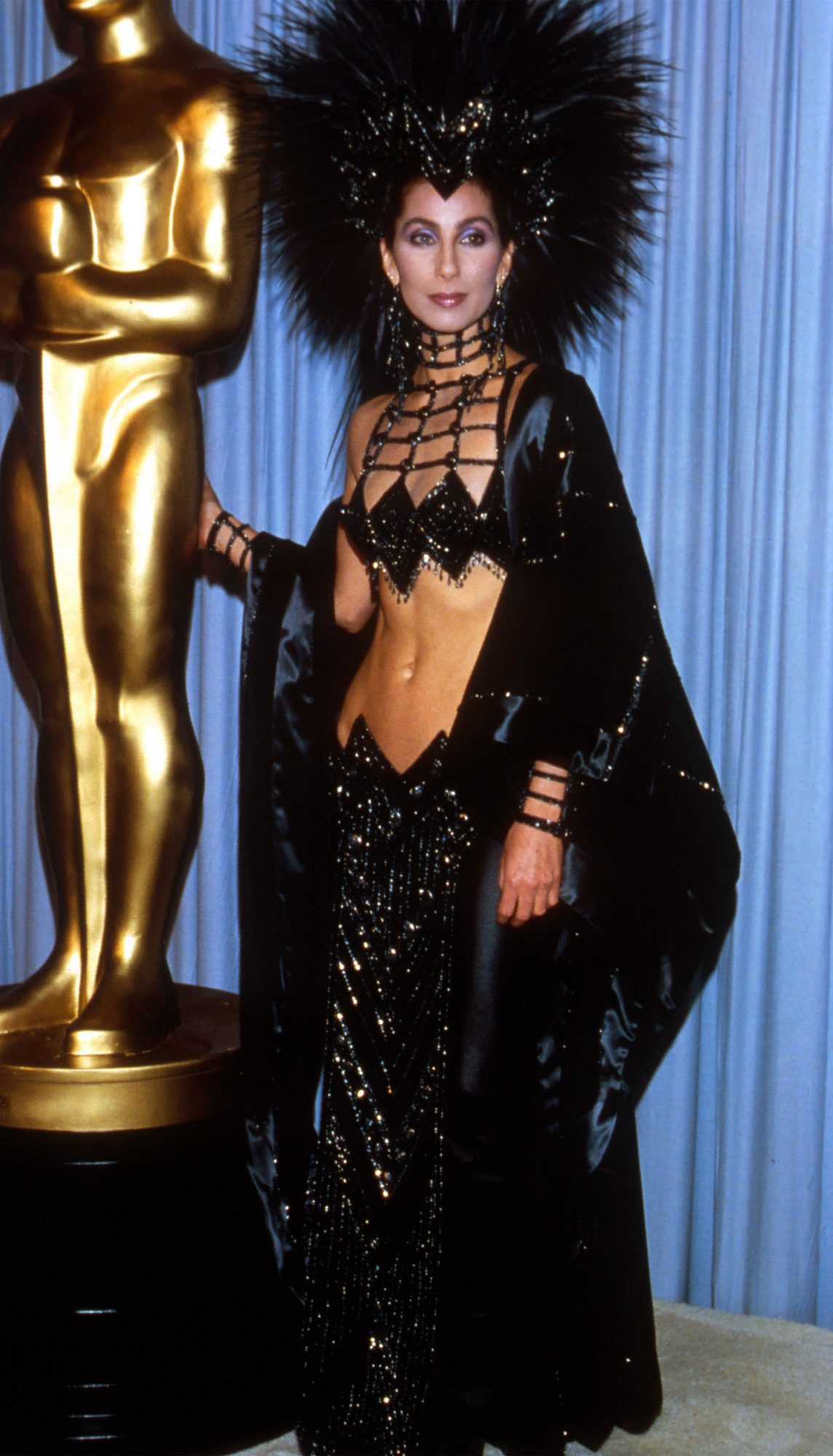 oscars-red-carpet-moments-cher